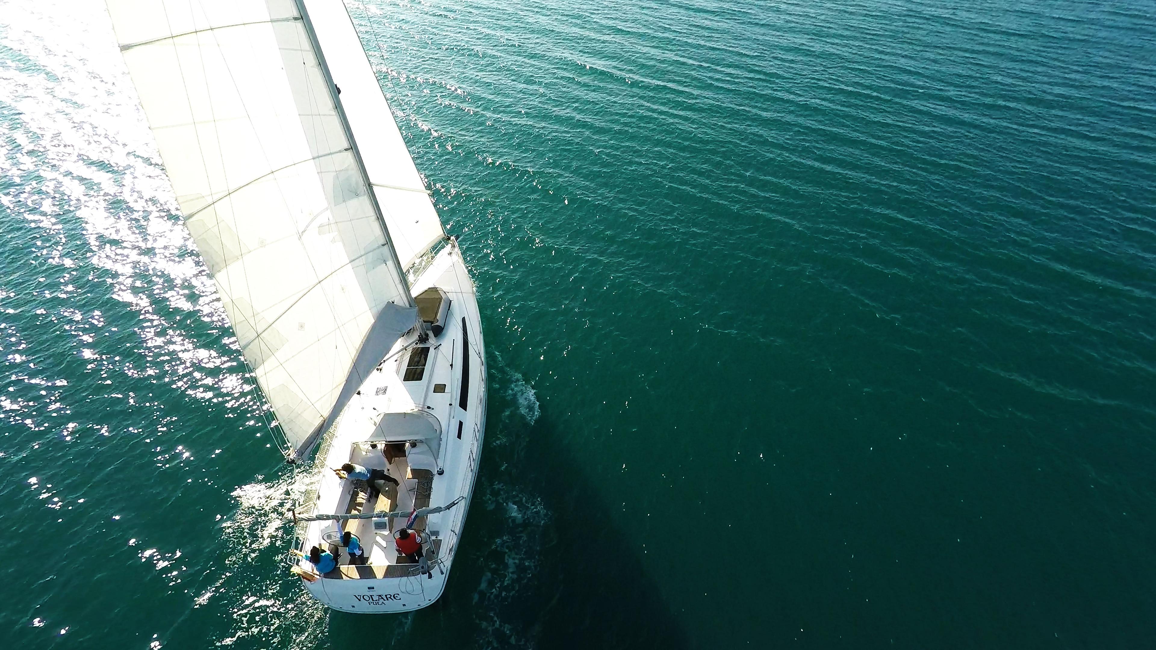 barcha a vela yacht a vela bavaria 46 da sopra teak pozzetto