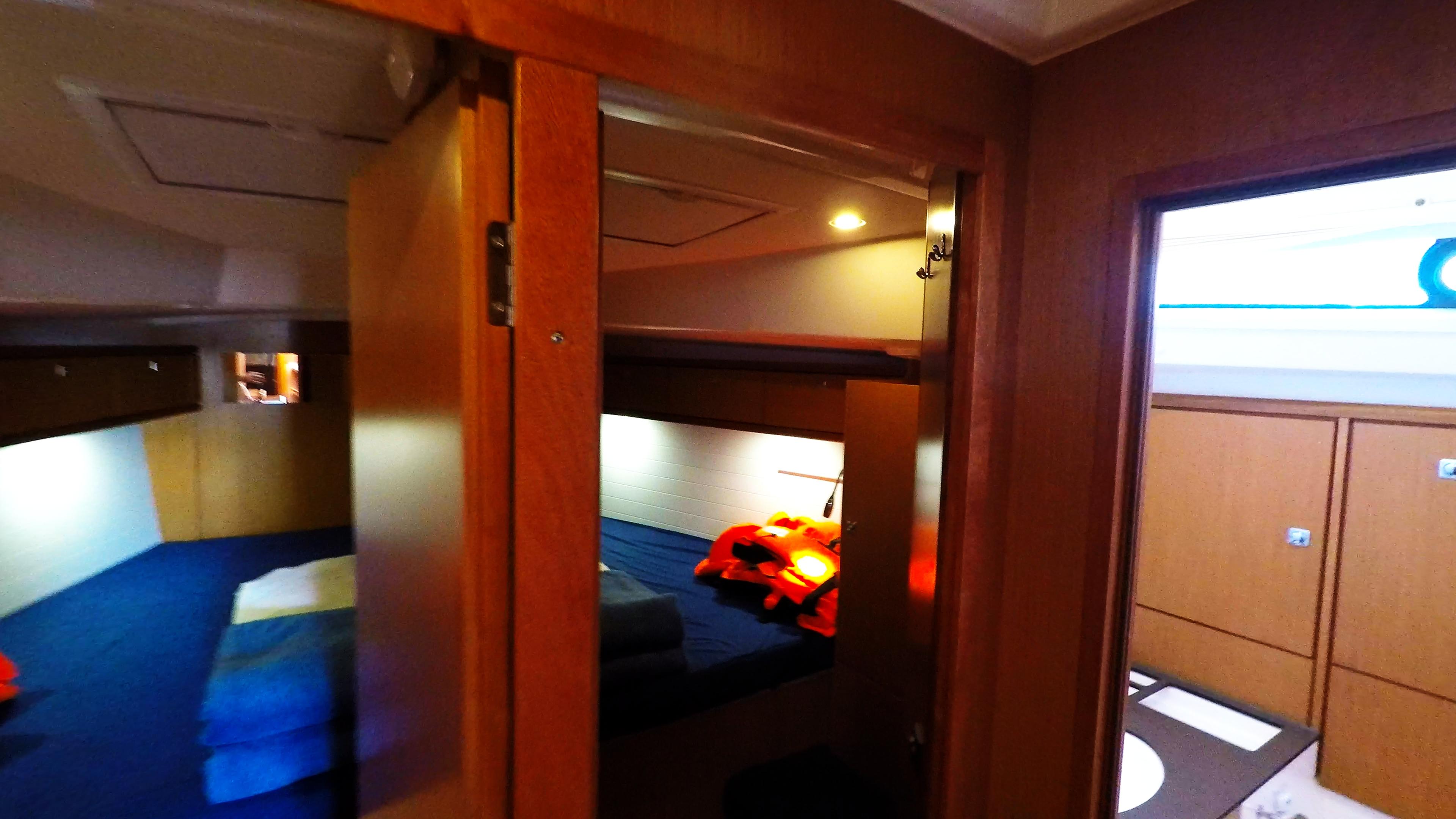 barcha a vela yacht a vela bavaria 46 interno davanti cabina gabinetto