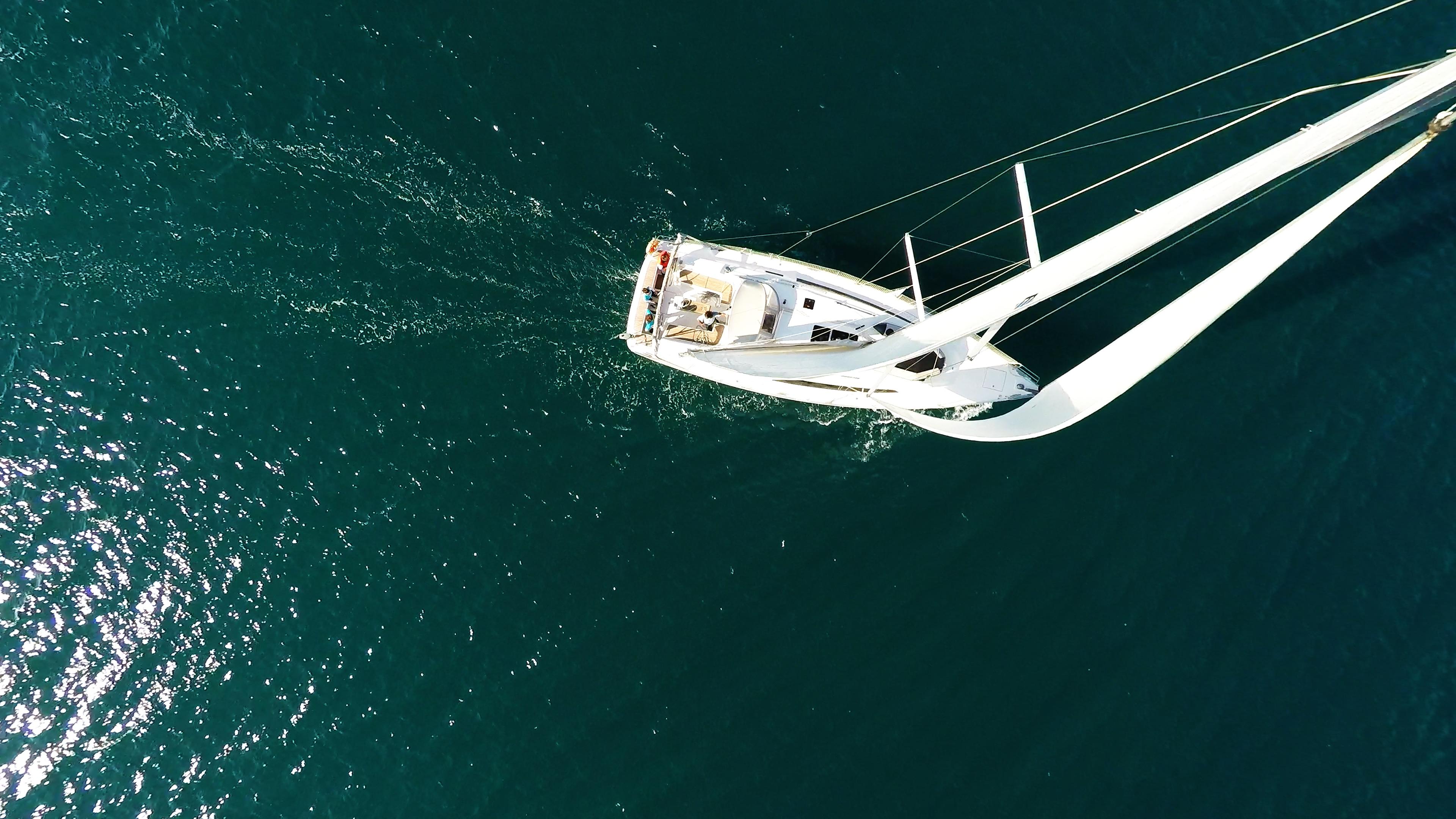 barcha a vela yacht a vela dal cielo vele
