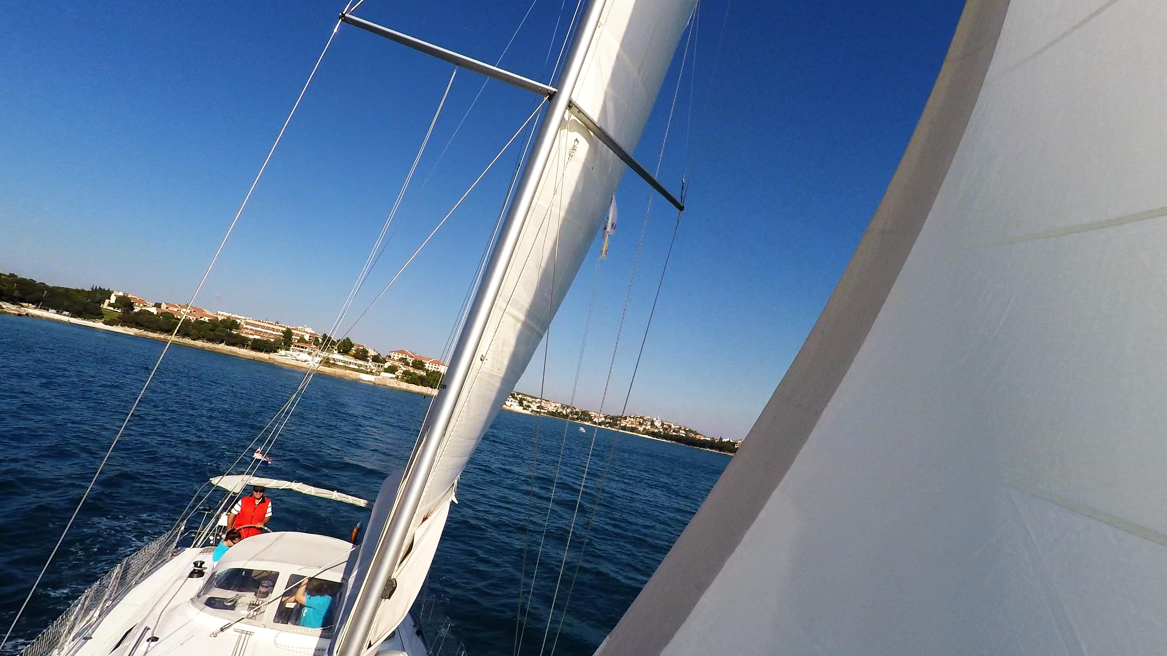 barcha a vela yacht a vela albero sartiame cielo blu