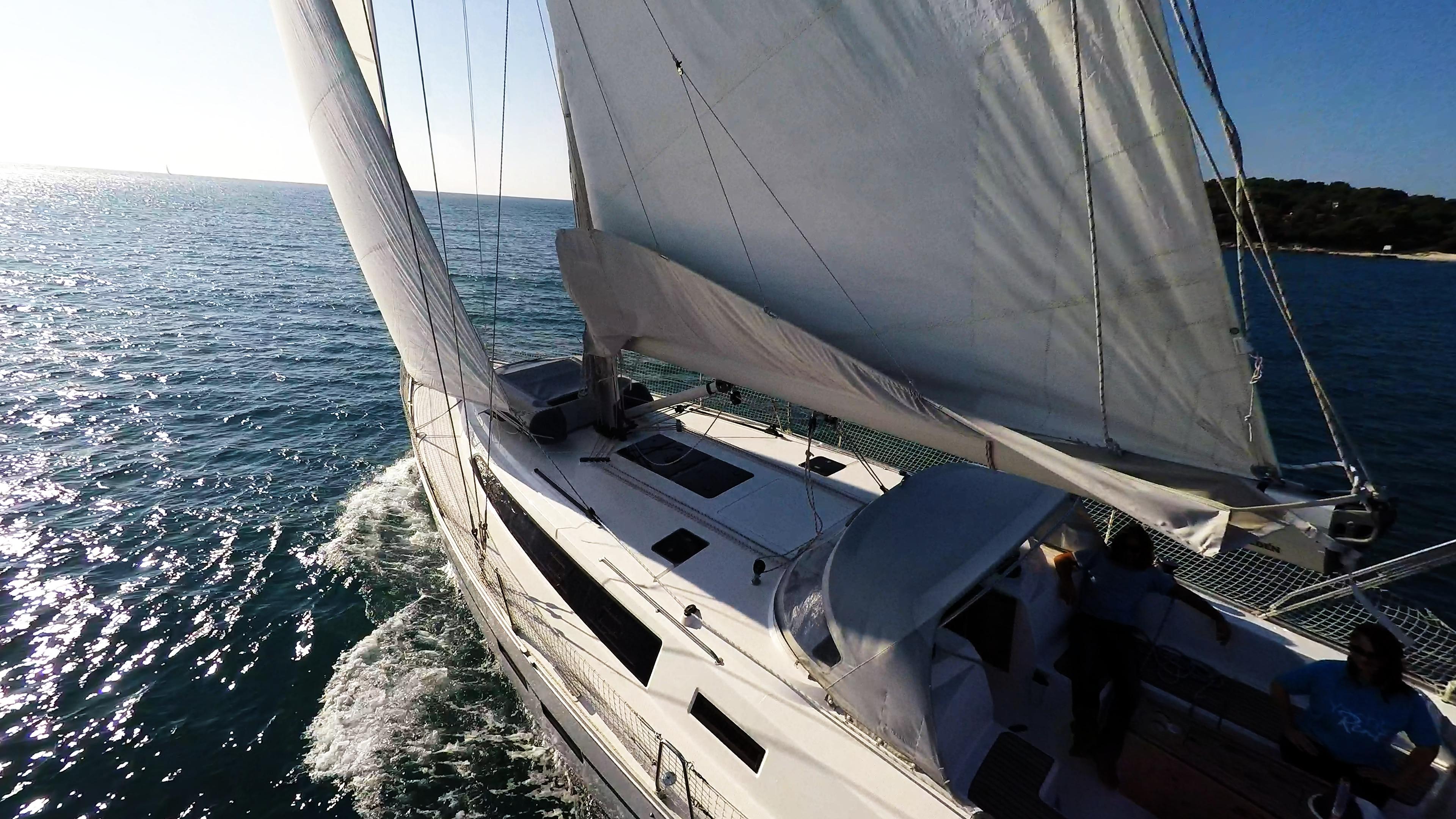 barcha a vela yacht a vela barca a vela bavaria 46 cruiser pozzetto