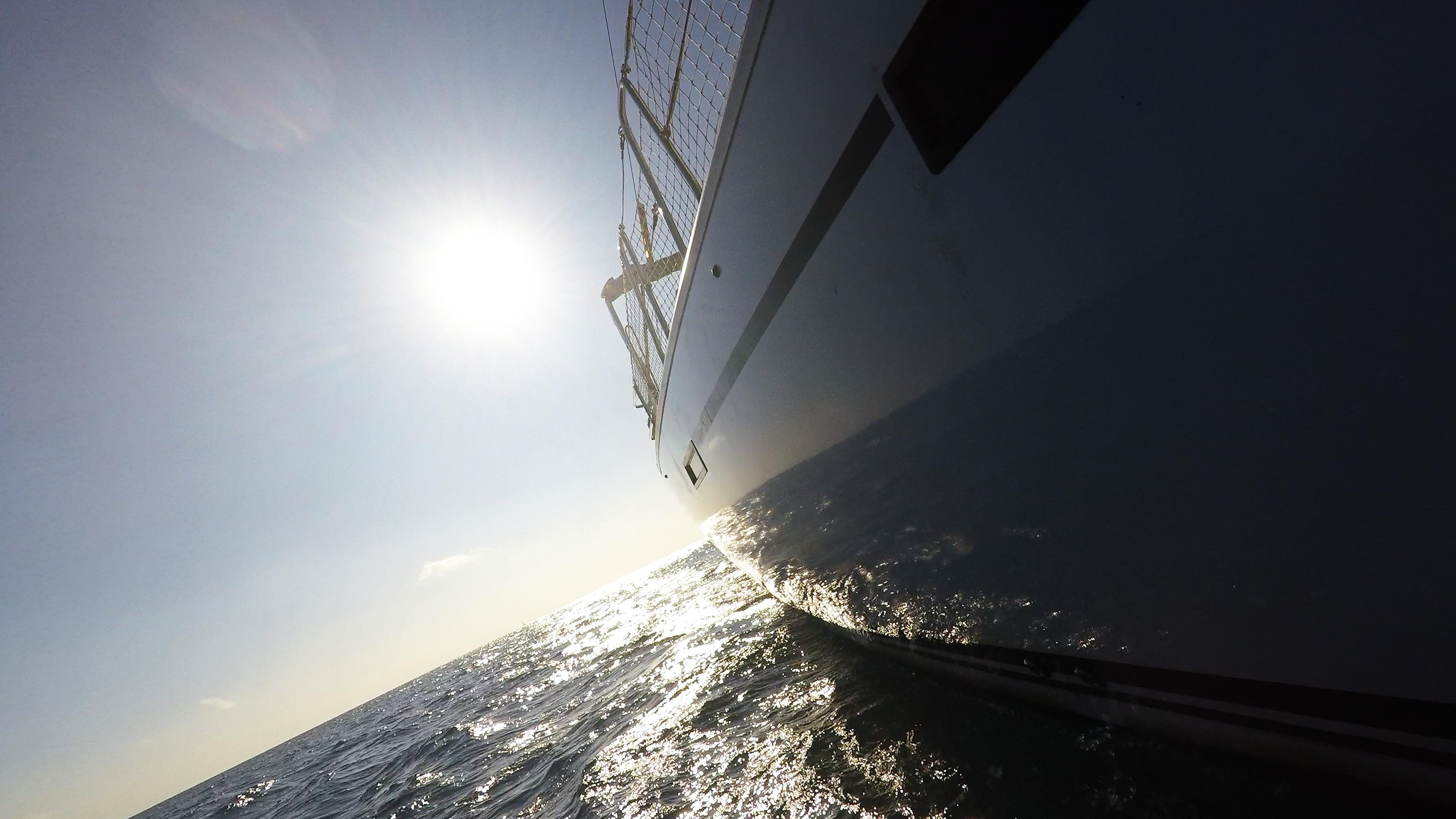 barcha a vela yacht a vela scafo laterale sole mare
