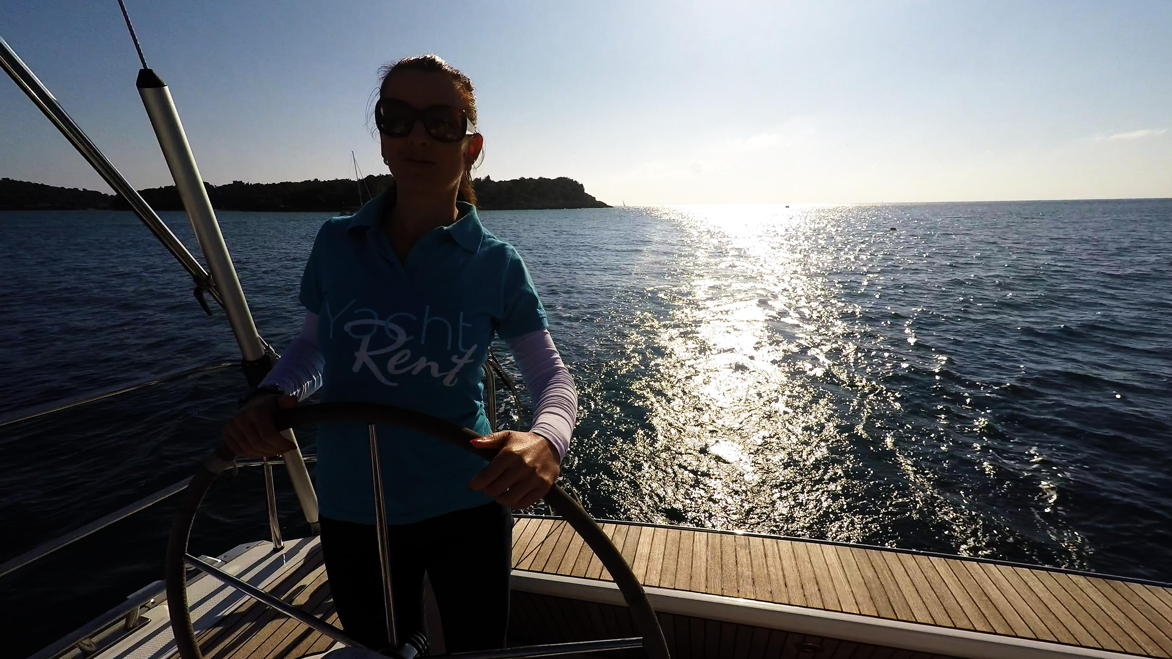barcha a vela skipper al volanteof yacht a vela sole