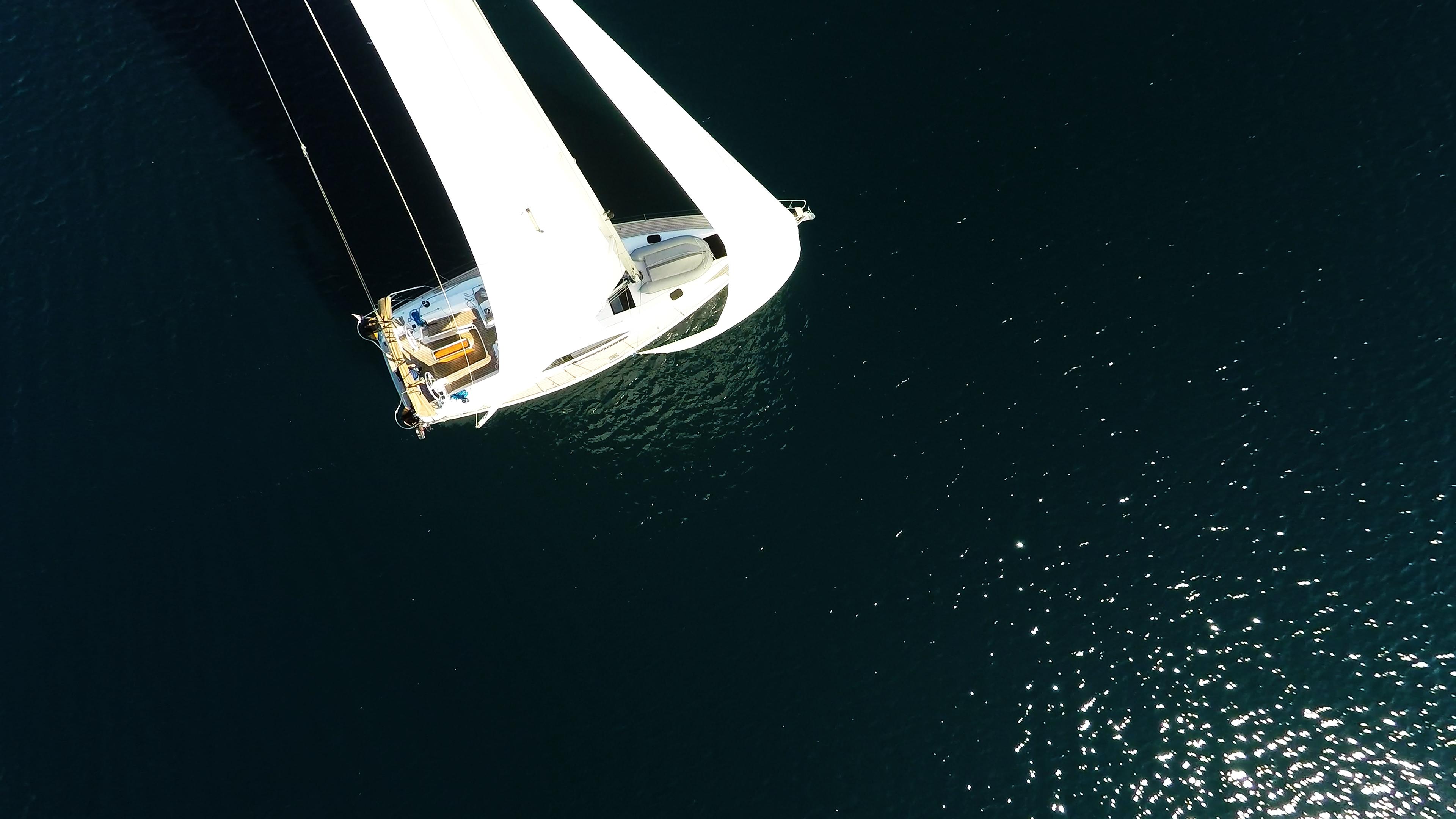 barcha a vela vista di uccello barca a vela vele di yacht a vela