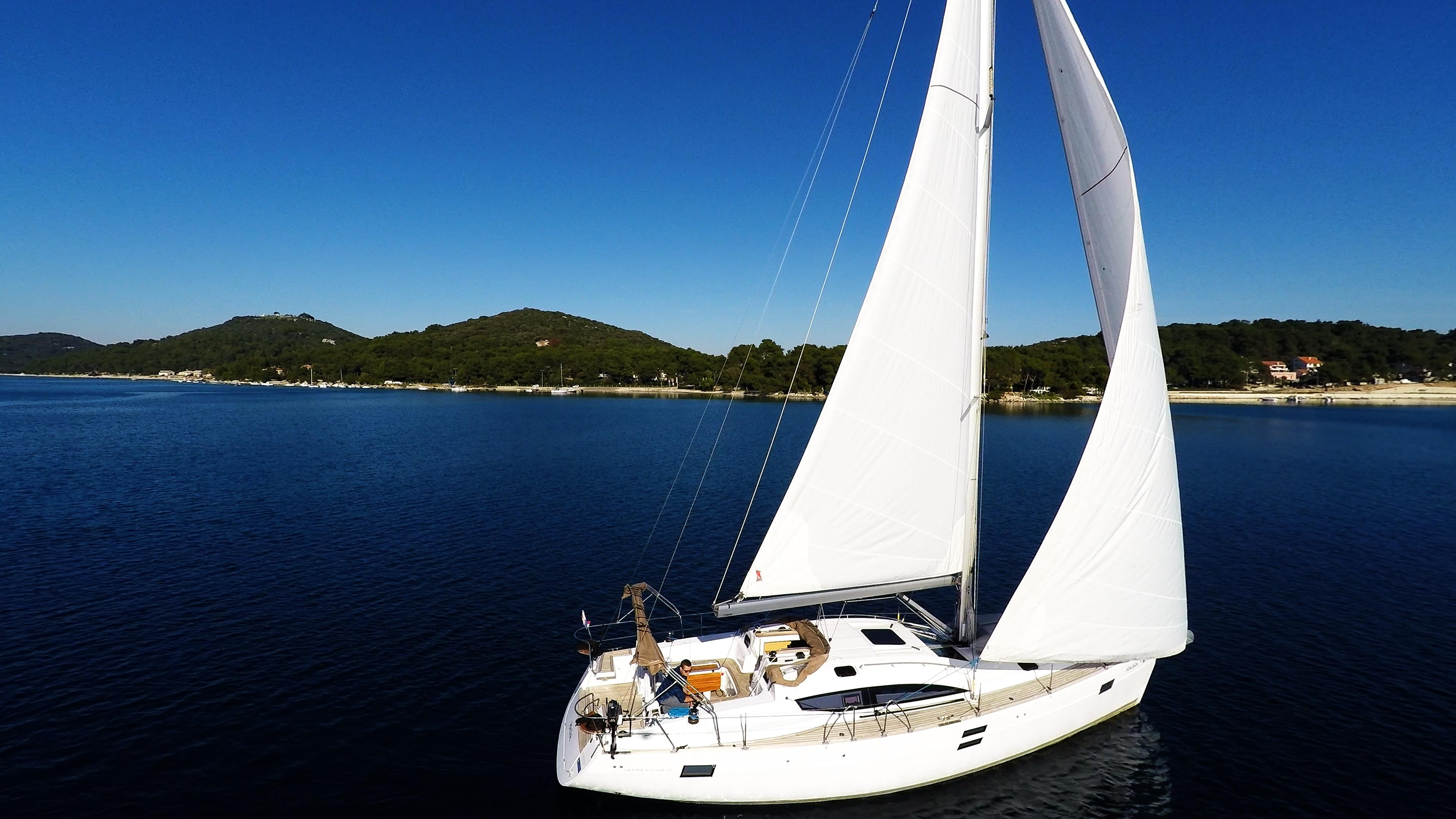 barcha a vela mare blu cielo yacht a vela elan 45 impression vele della barca a vela