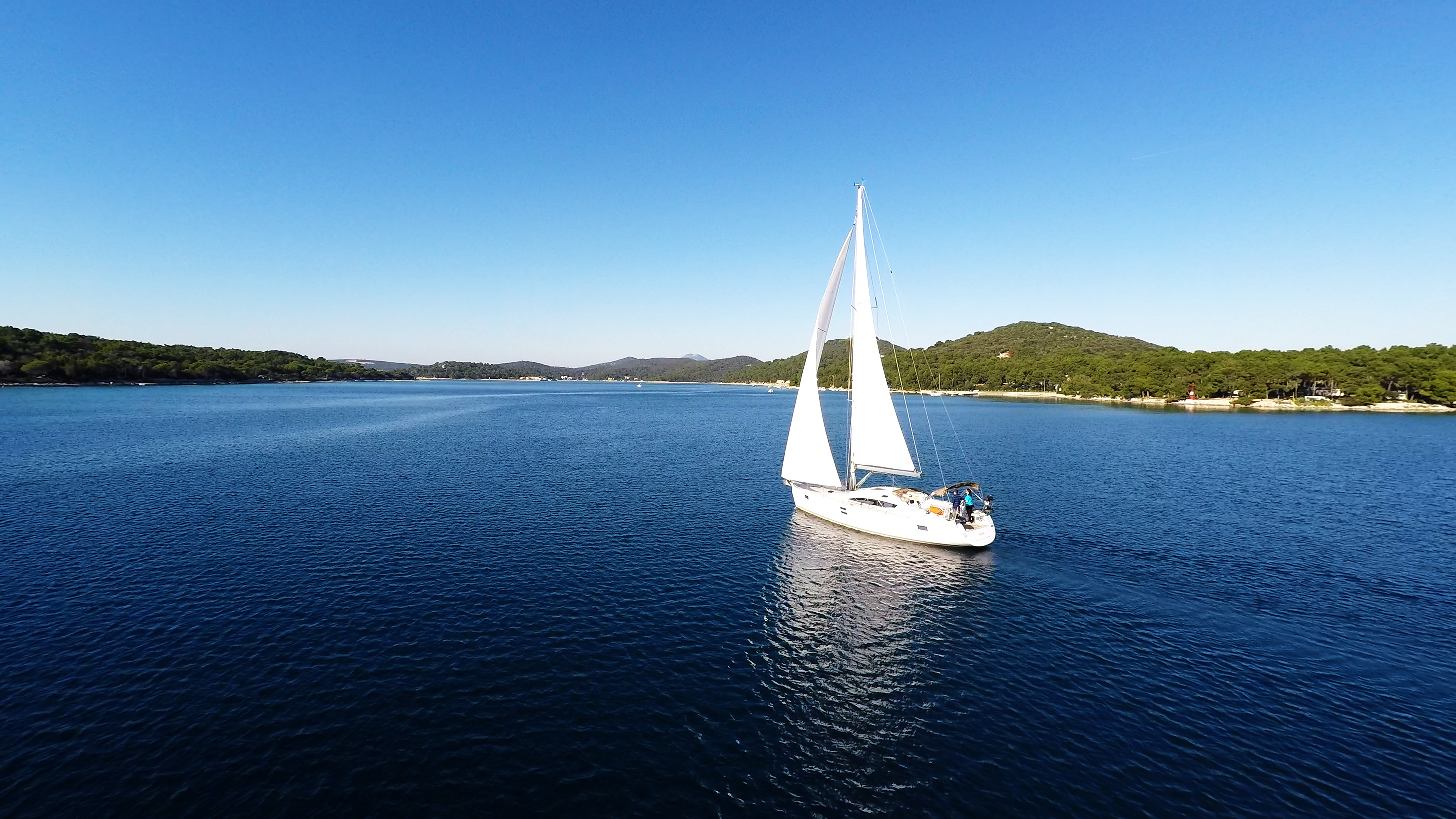 barcha a vela cielo blu baia del mare barca a vela vela losinj Croazia