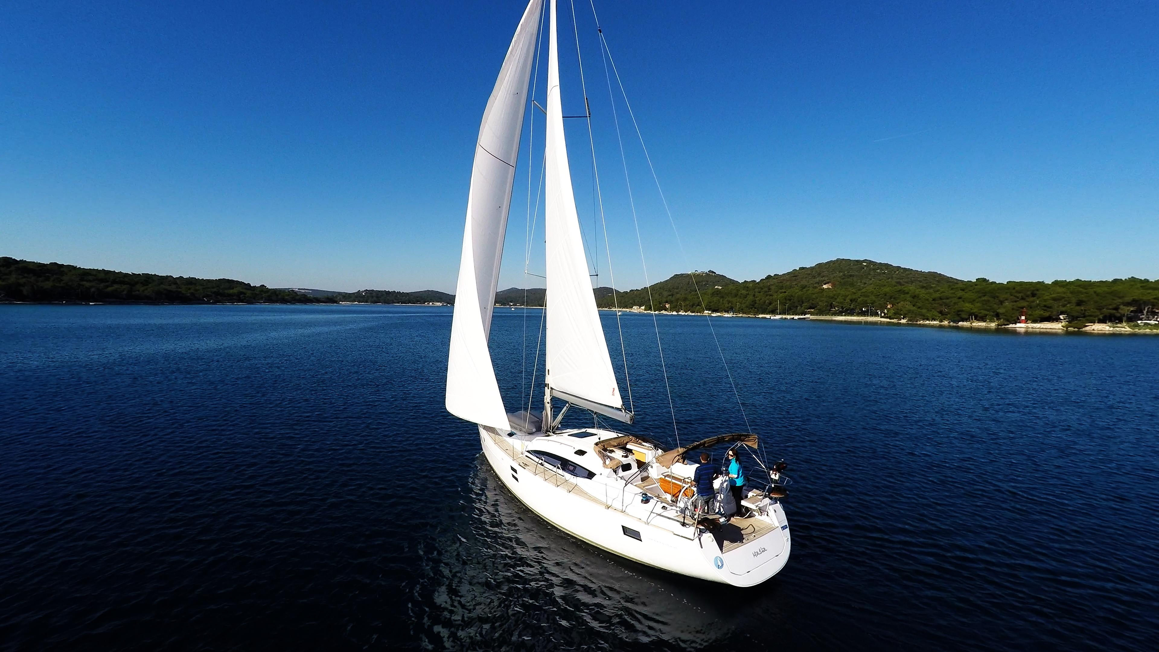 barcha a vela cielo blu baia del mare yacht a vela elan 45 impression vele