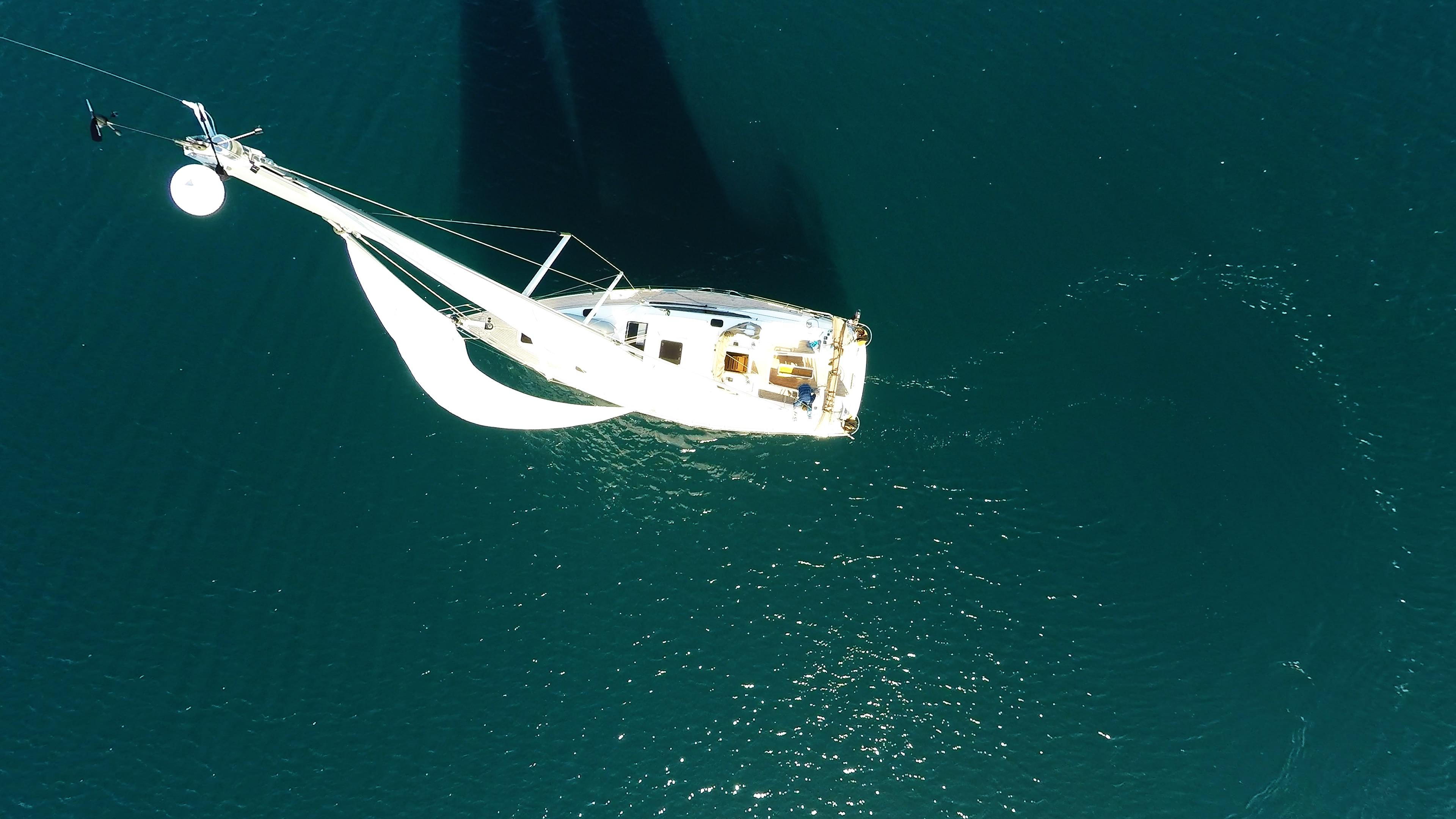 barcha a vela barca dal cielo barca a vela vela vele yacht a vela