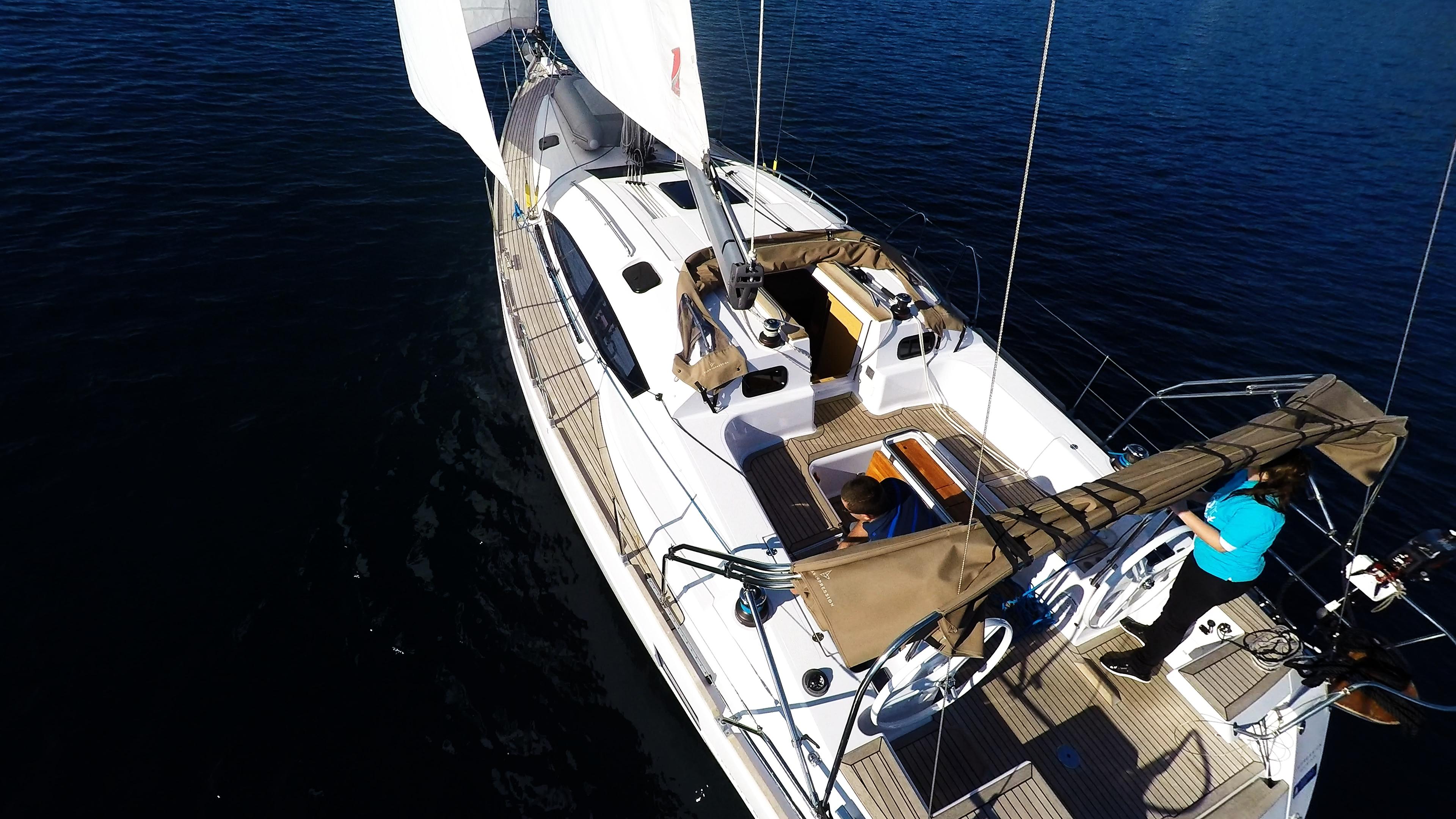barcha a vela pozzetto ponte teak yacht a vela elan 45 impression barca a vela