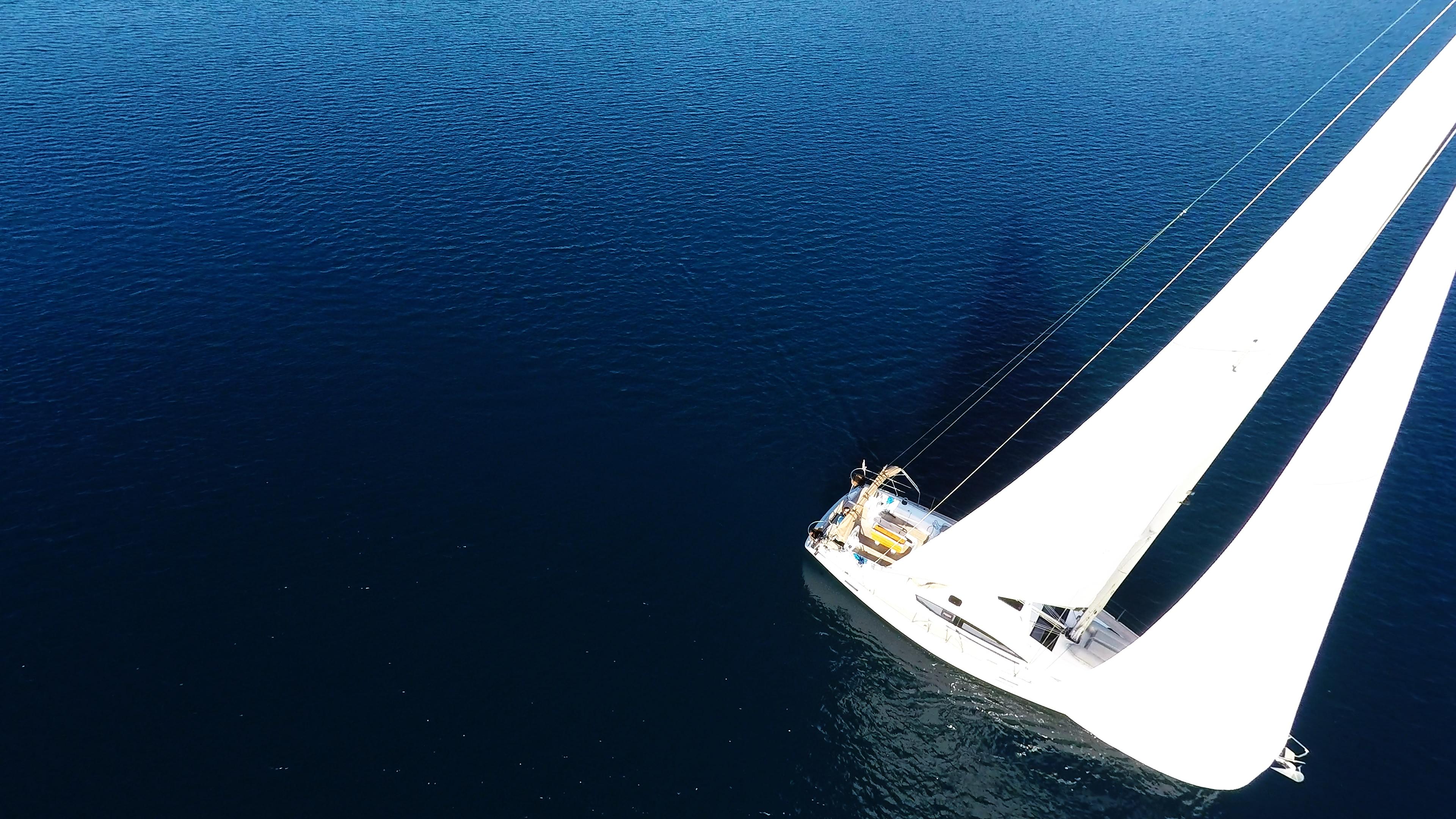 barcha a vela vela elan 45 barca a vela yacht a vela mare blu