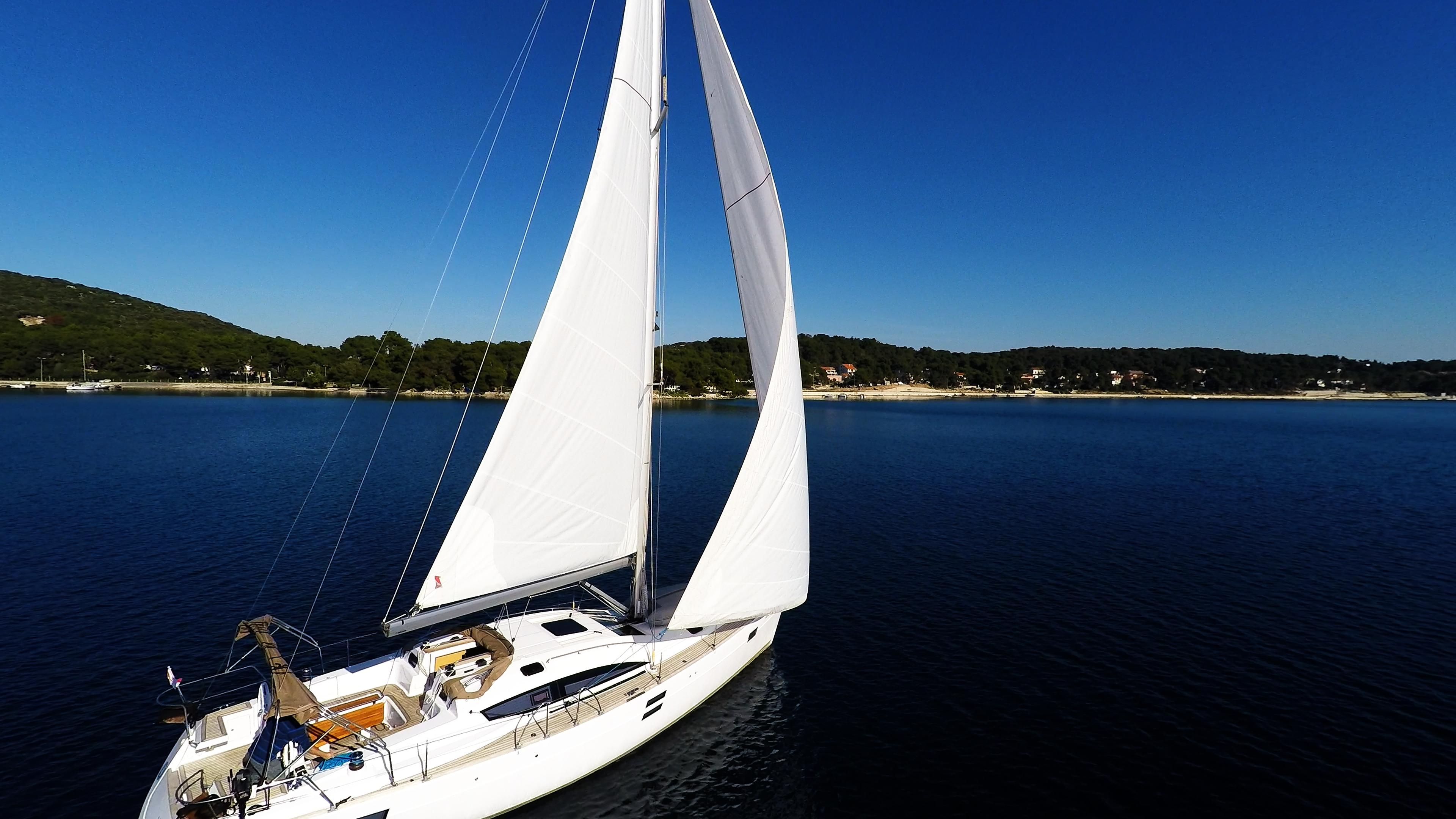barcha a vela vela barca a vela yacht a vela cielo blu mare
