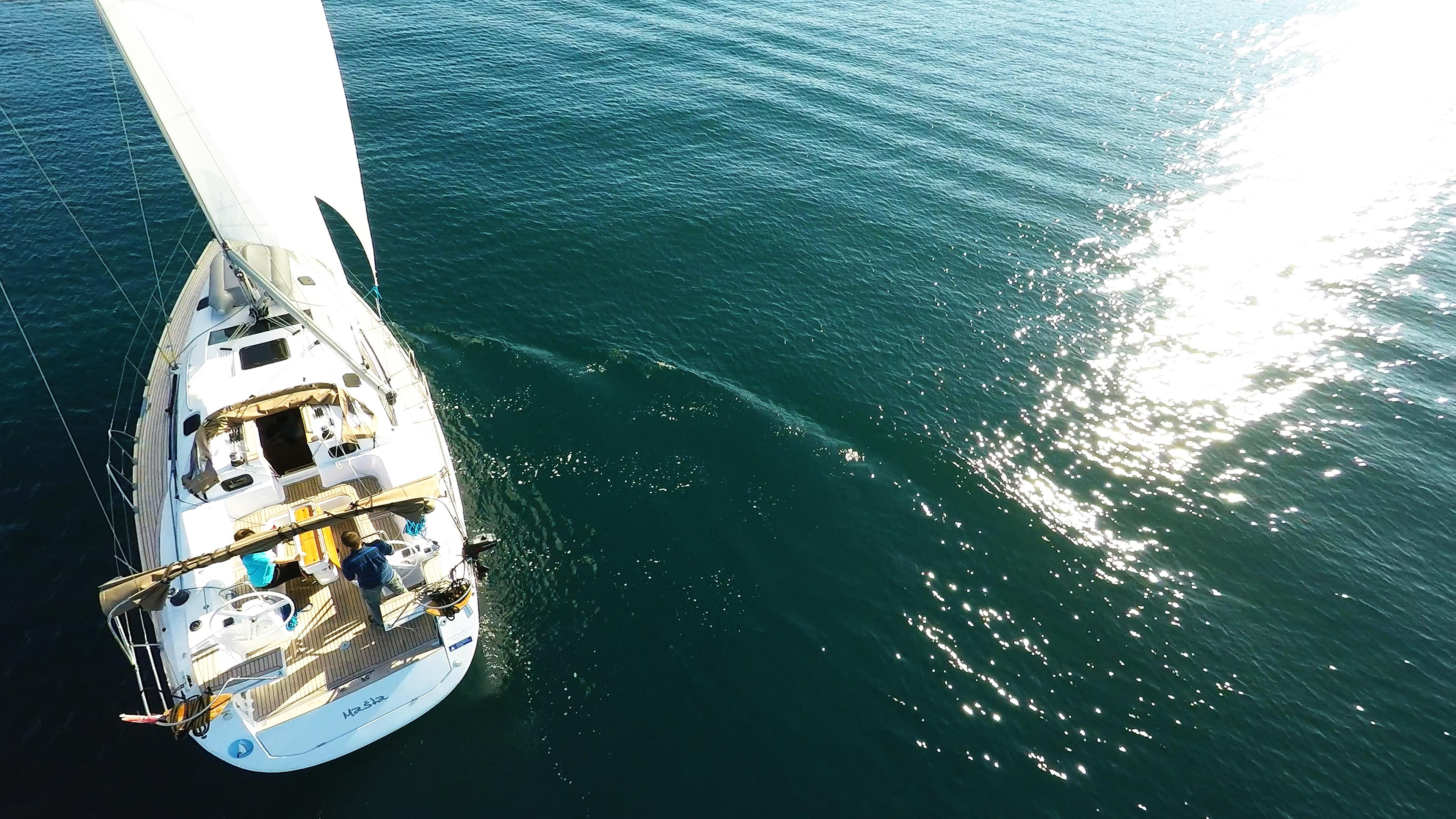 barcha a vela barca a vela elan 45 impression riflesso del sole yacht a vela