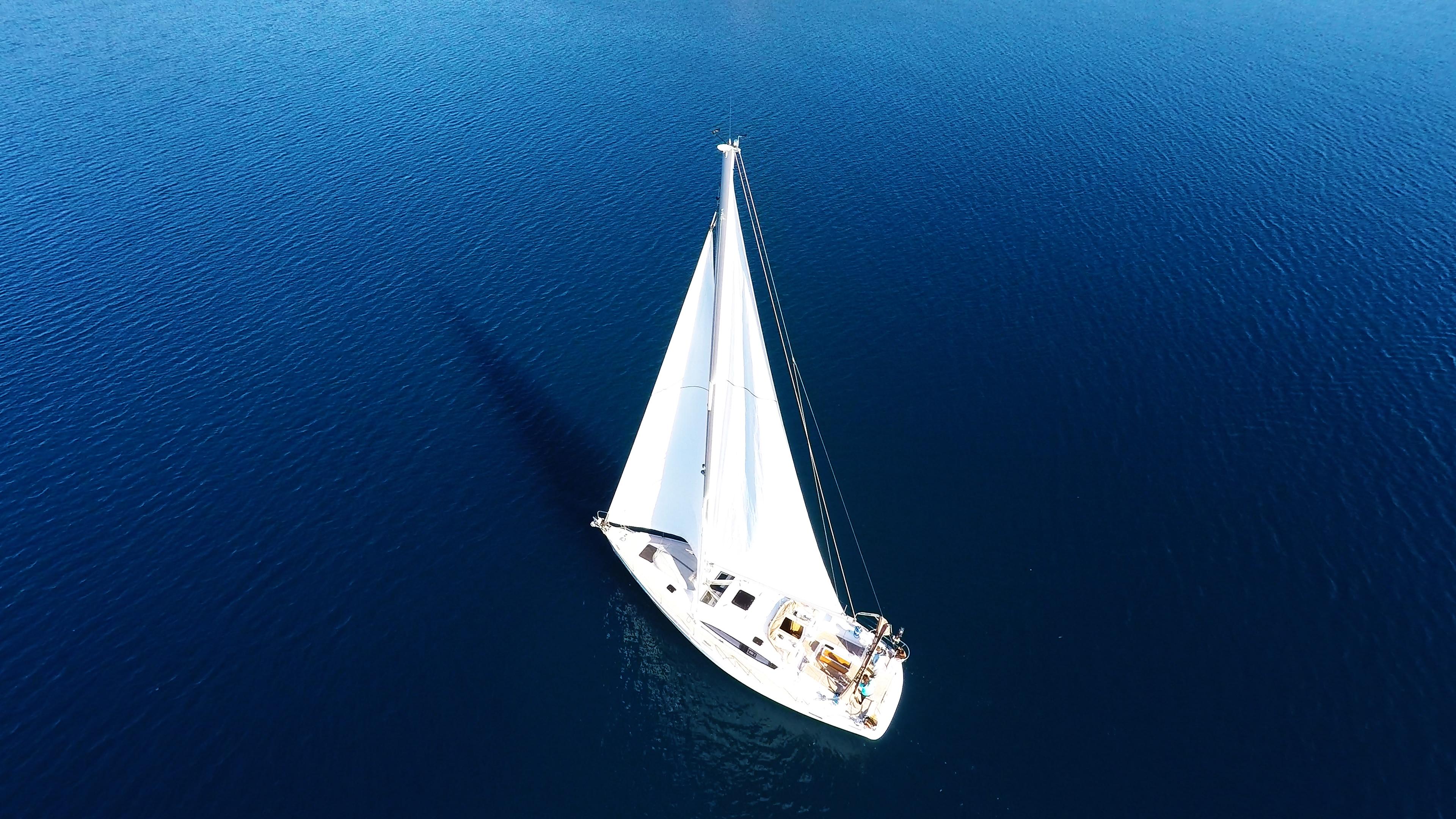 barcha a vela barca a vela da sopra mare blu