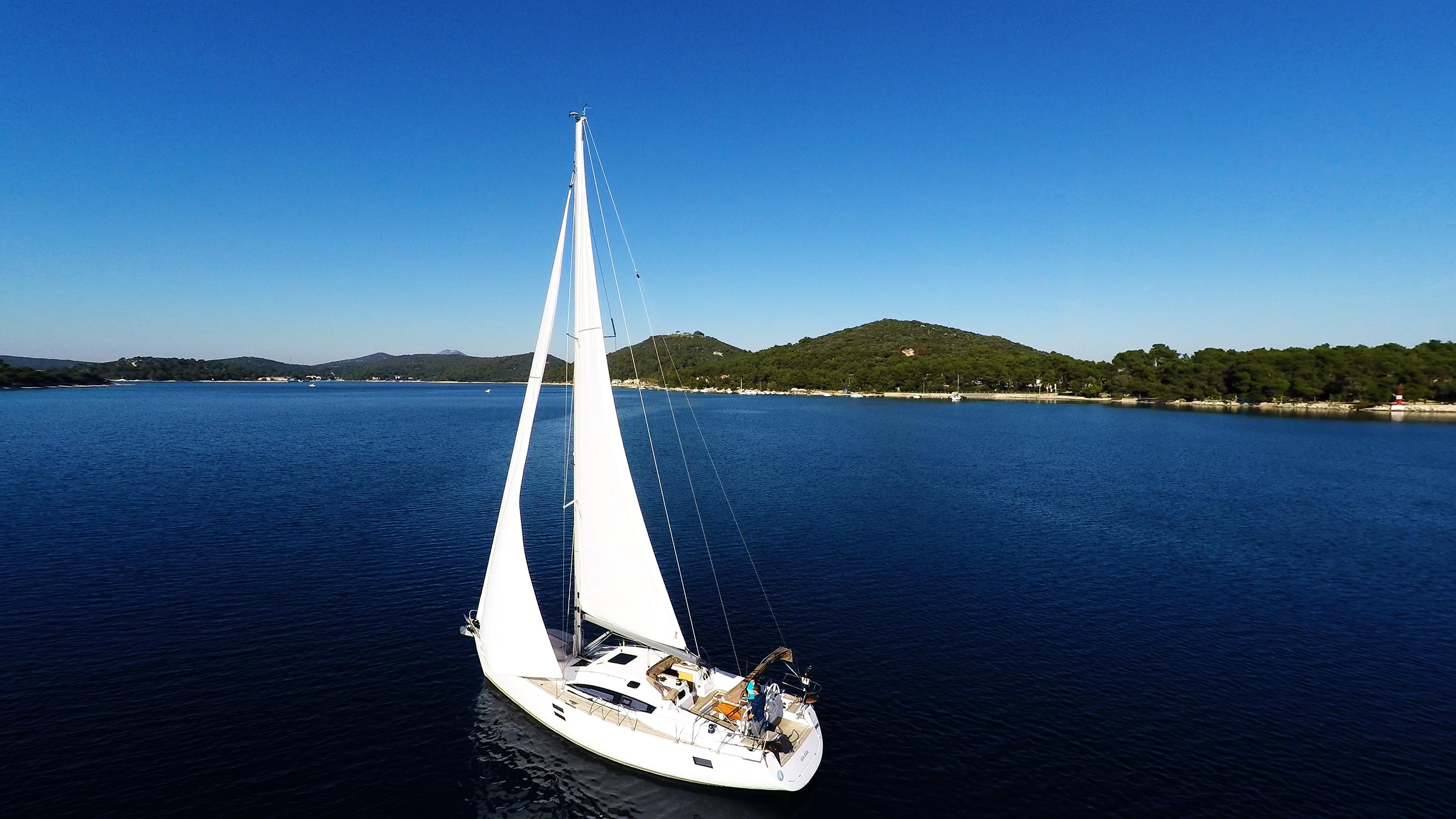barcha a vela barca a velanella baia del mare cielo blu yacht a vela vela