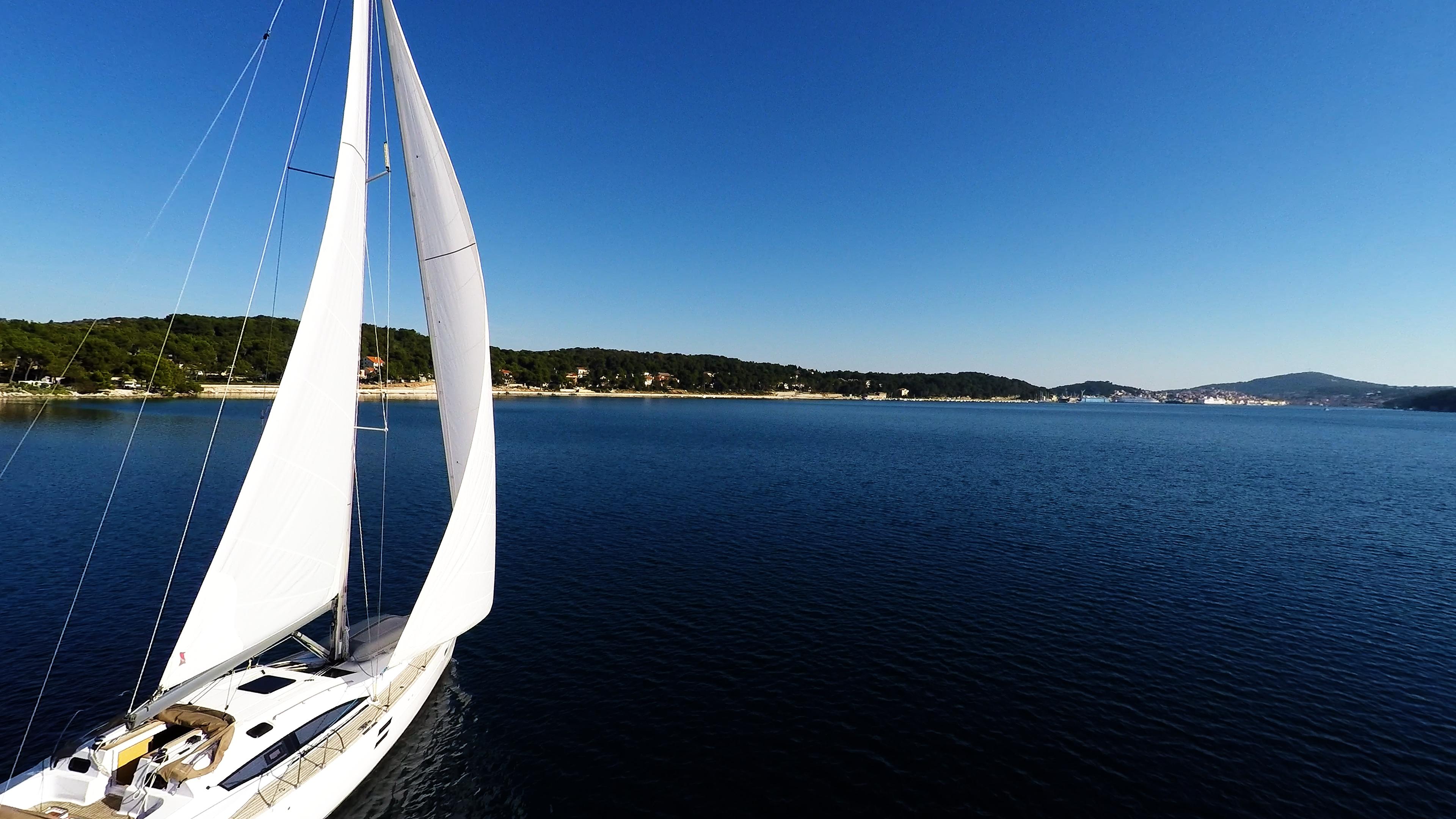 barcha a vela yacht a vela Croazia cielo blu baia del mare vele