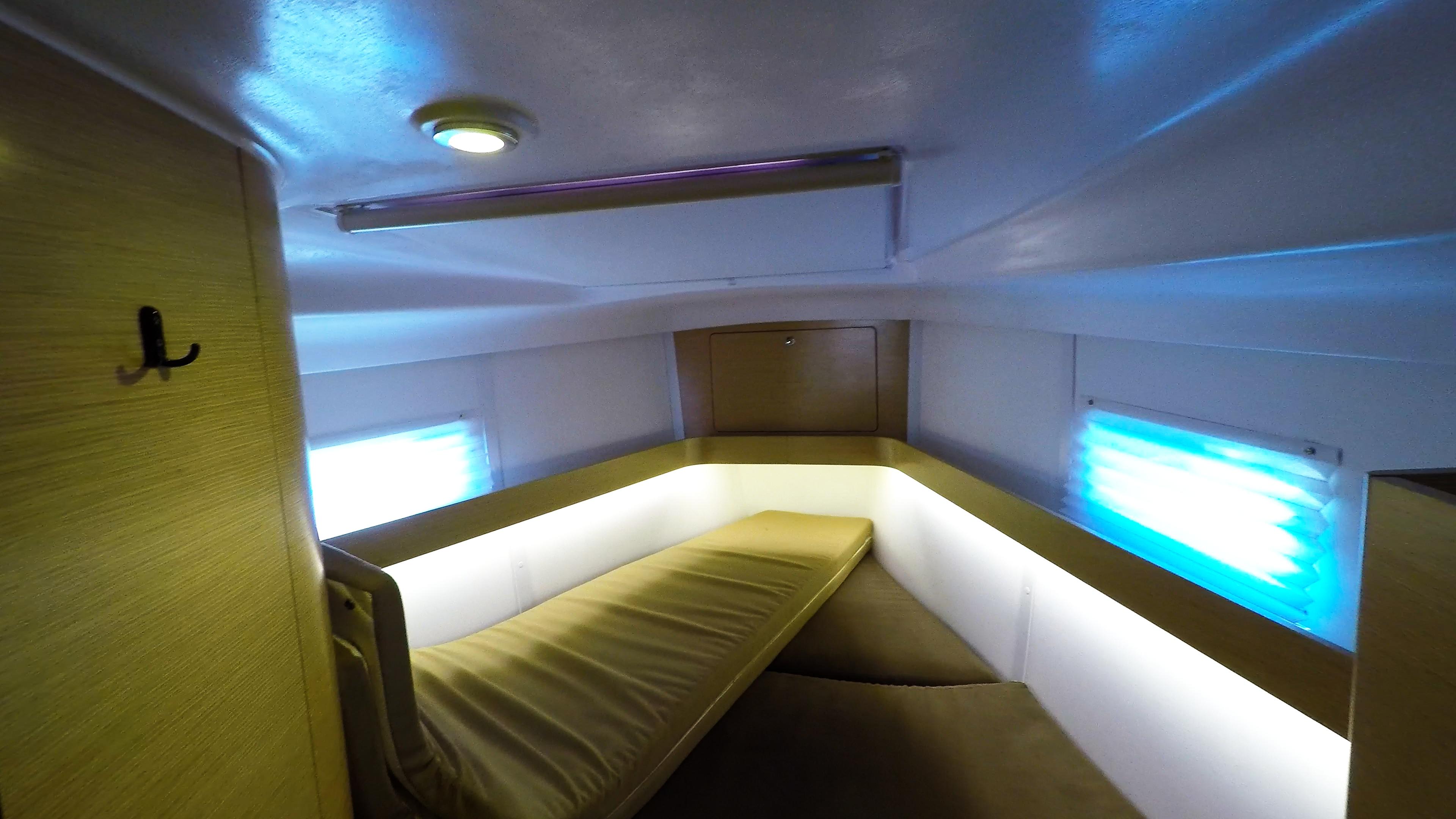 barcha a vela yacht a vela Elan 45 impression interno davanti cabina 3