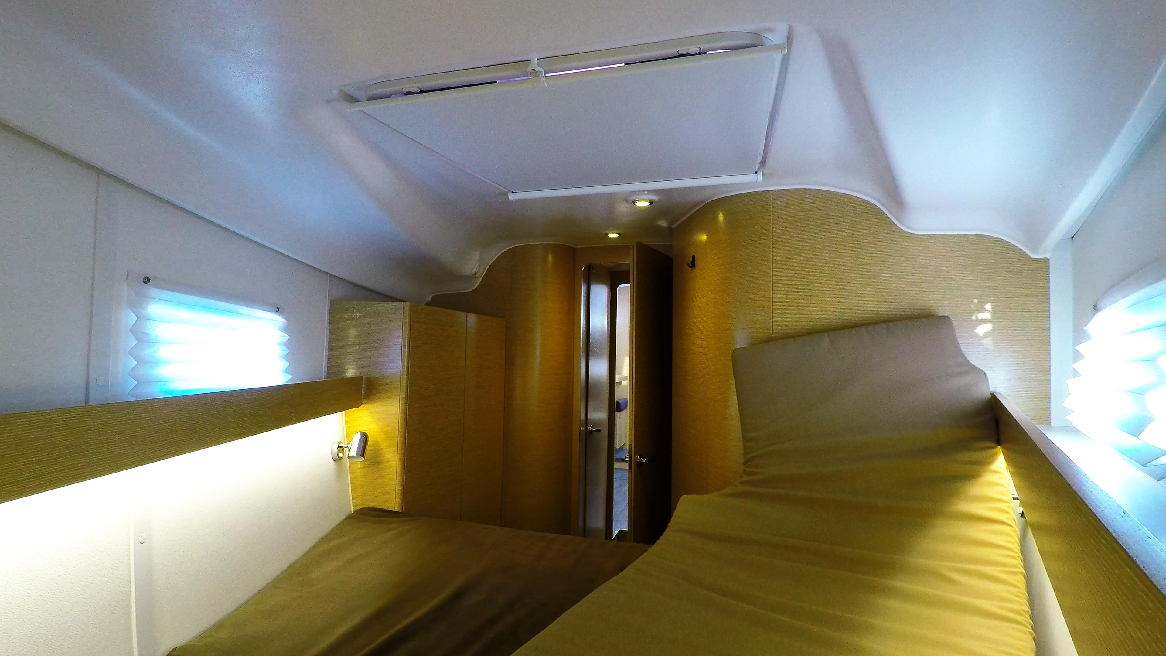 barcha a vela yacht a vela Elan 45 impression interno davanti cabina 4
