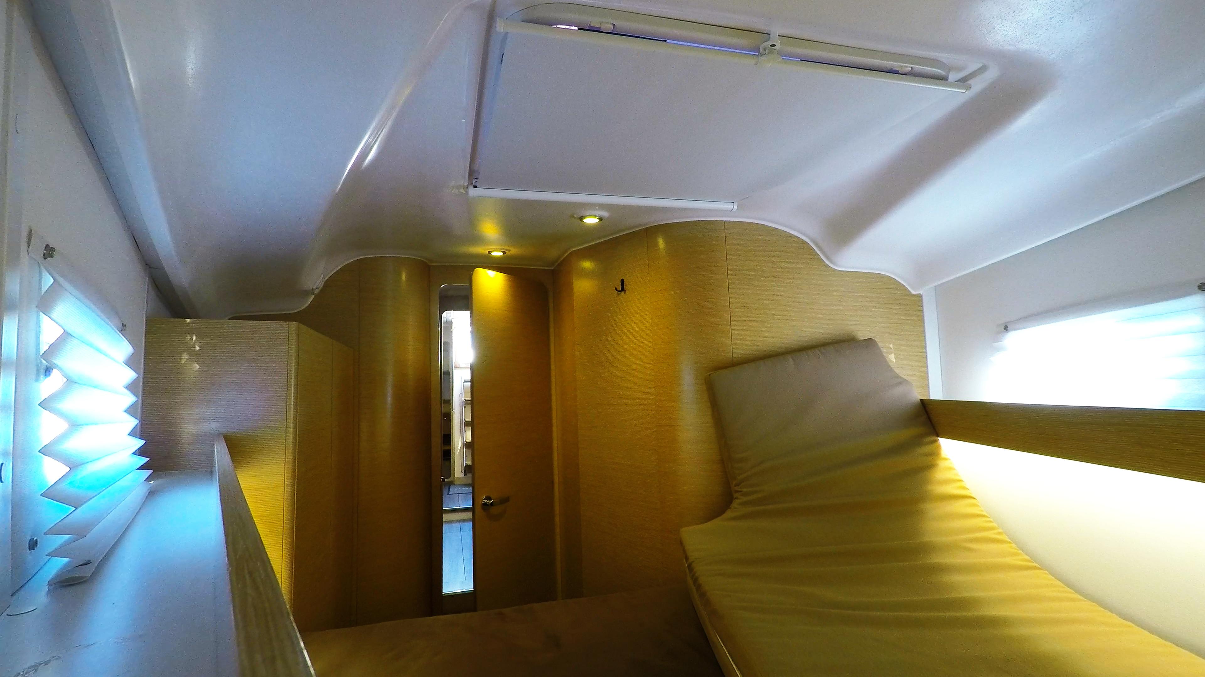 barcha a vela yacht a vela Elan 45 impression interno davanti cabina 6