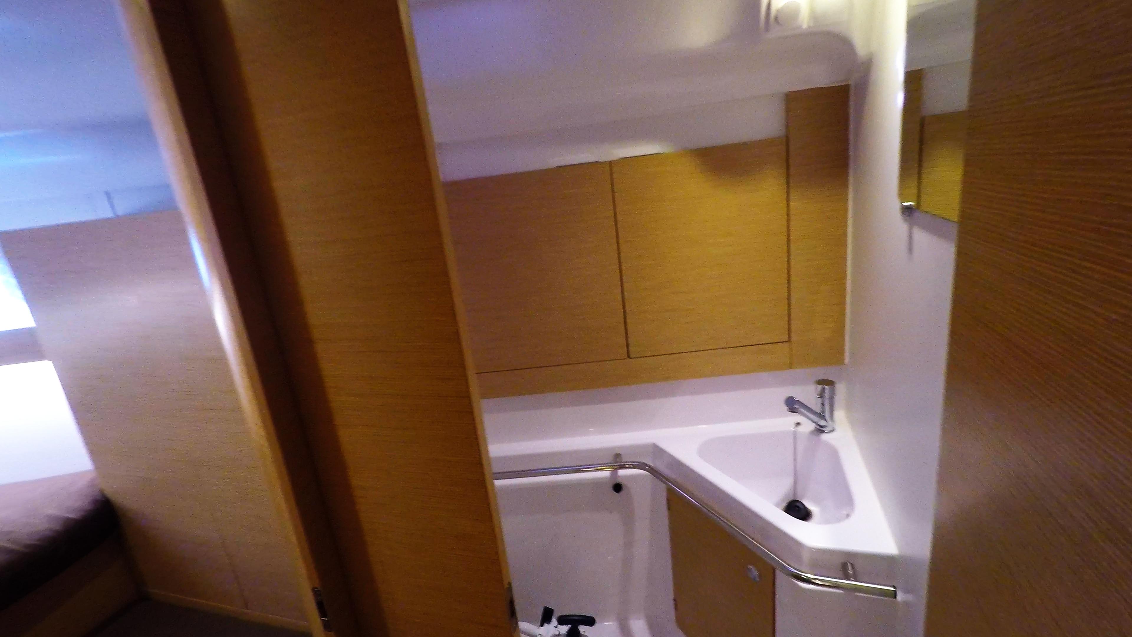 barcha a vela yacht a vela Elan 45 impression interno davanti gabinetto