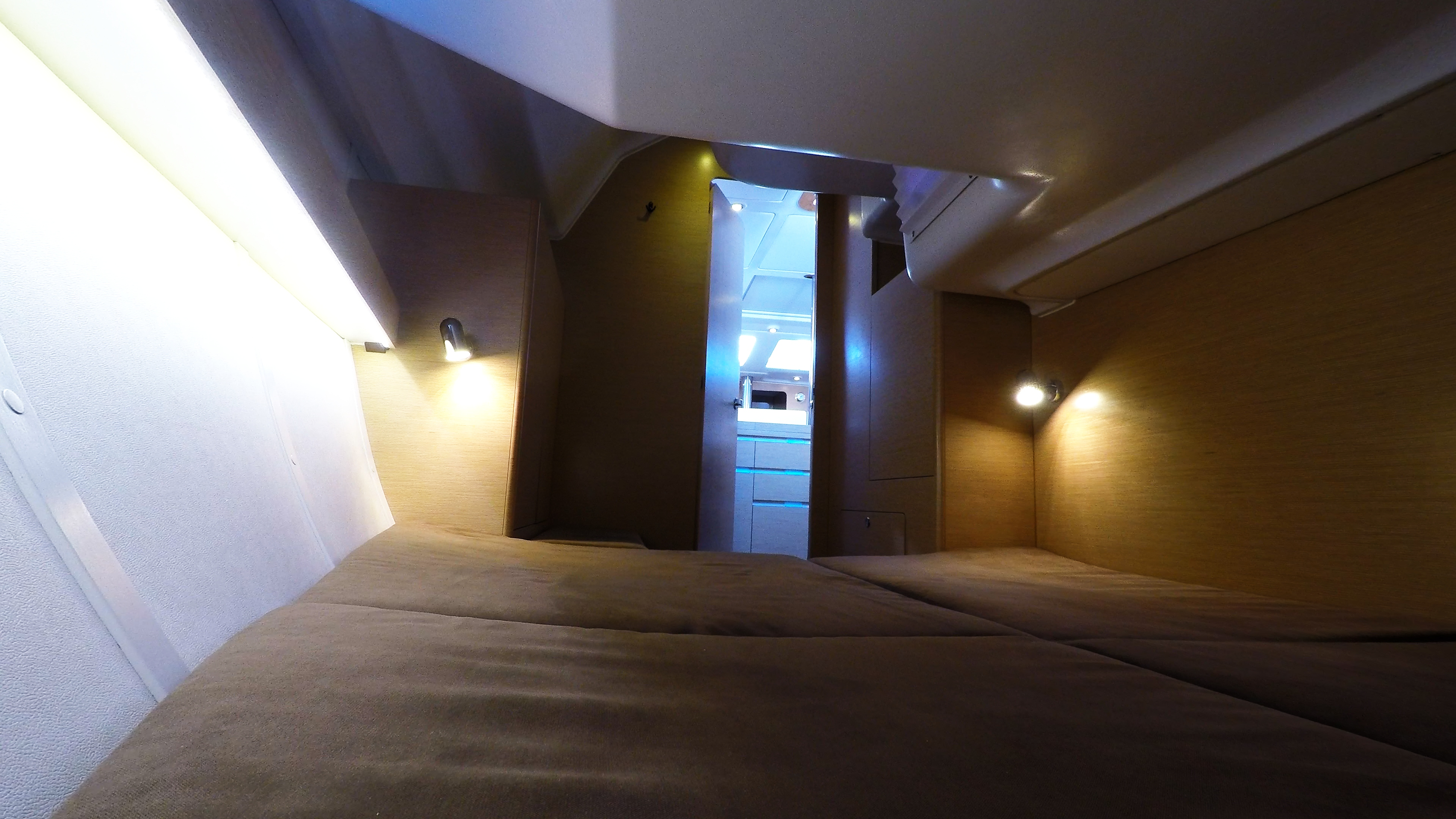 barcha a vela yacht a vela Elan 45 impression interno cabina di poppa sinistra