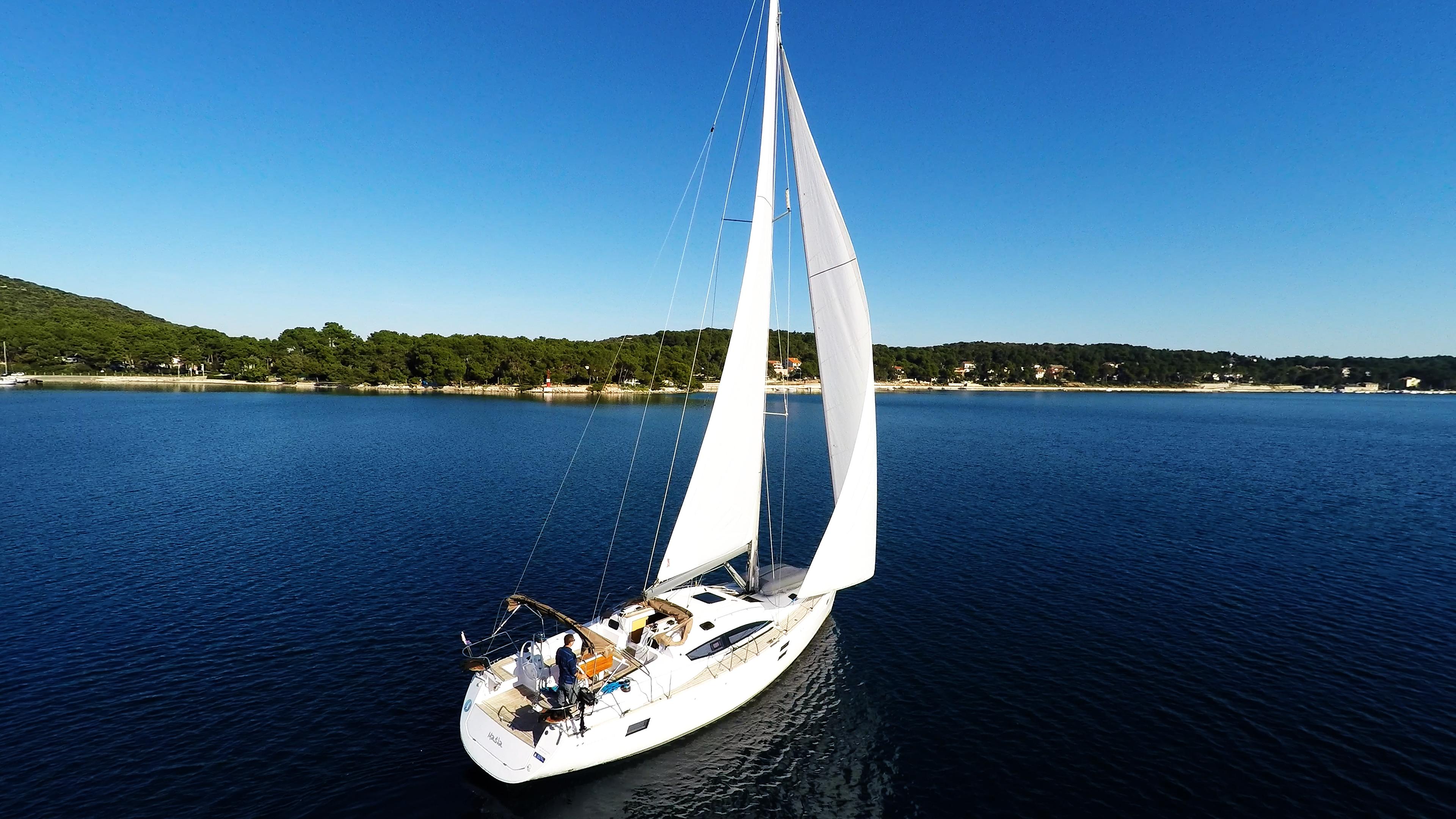 barcha a vela yacht a vela elan 45 impression vela cielo blu barca a vela