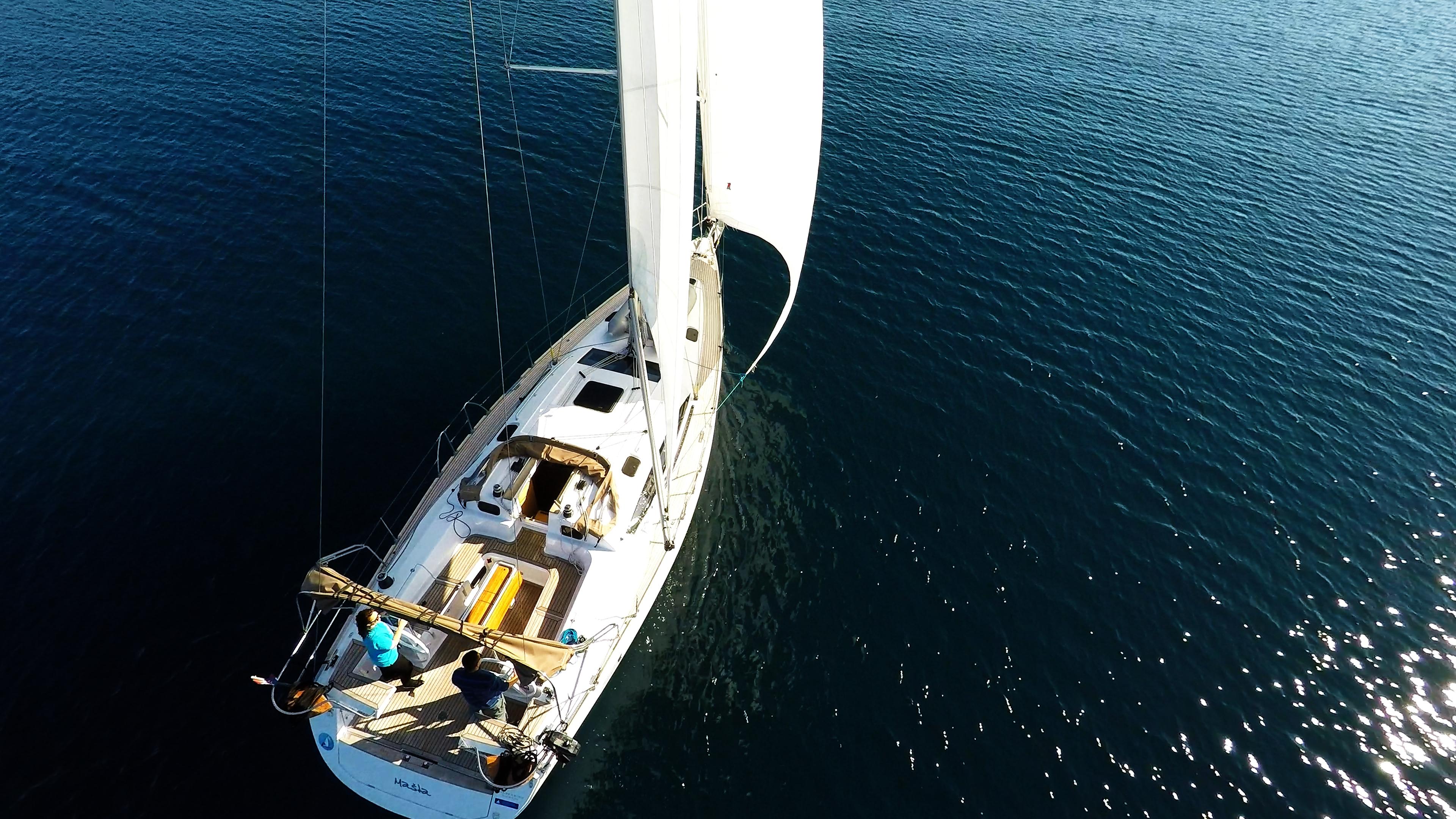 barcha a vela yacht a vela elan 45 impression vela ponte teak timoni ruota