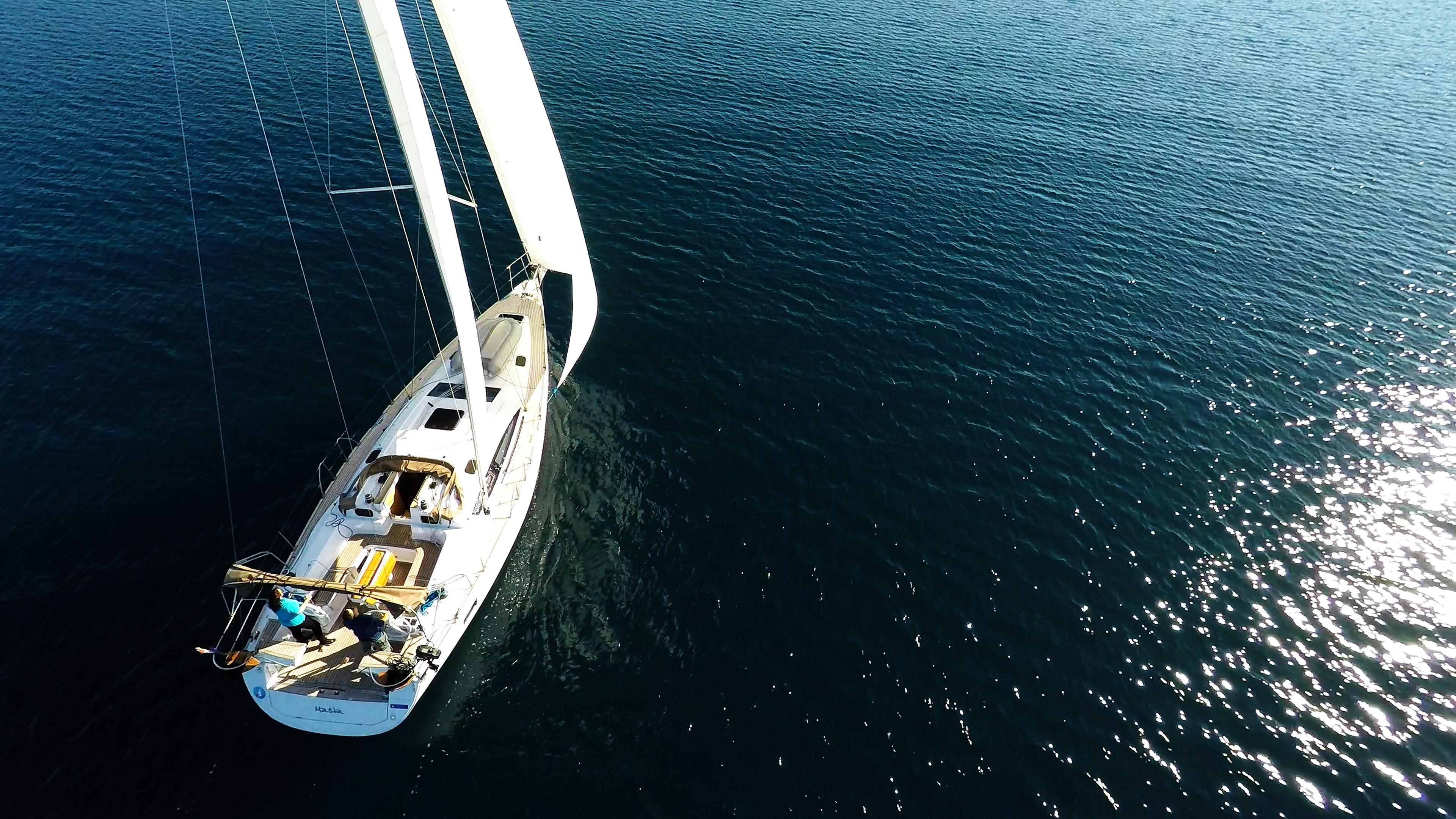 barcha a vela yacht a vela elan 45 impression pontein teak vele barca a vela
