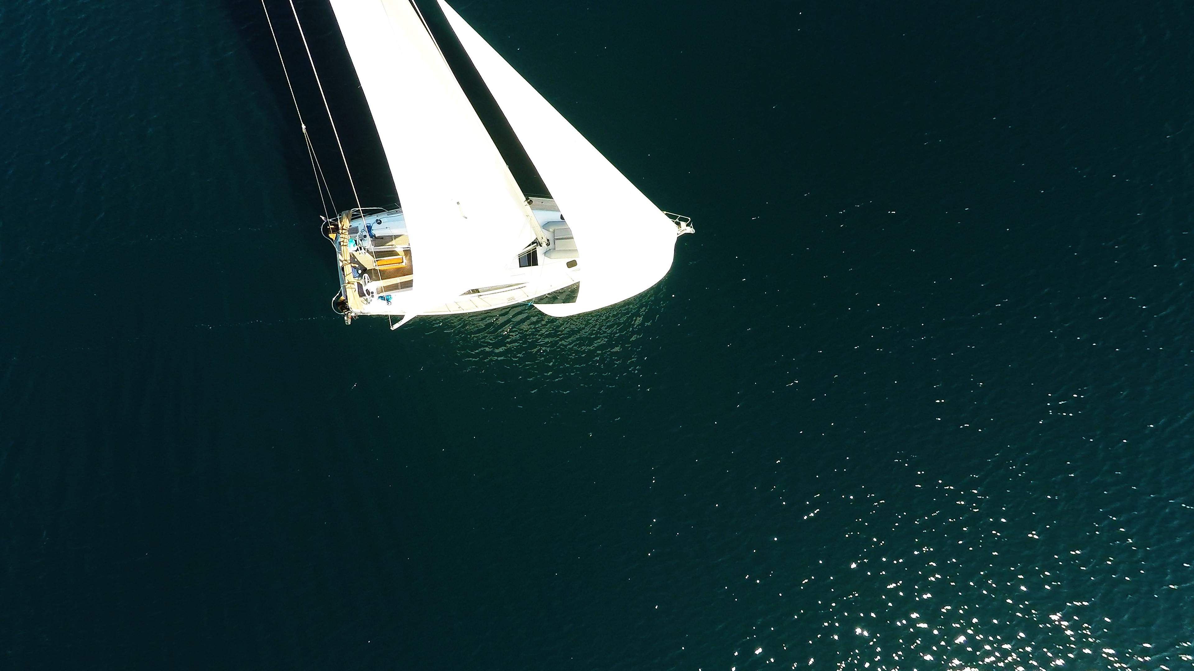 barcha a vela vele vela barca a vela dal cielo yacht a vela mare