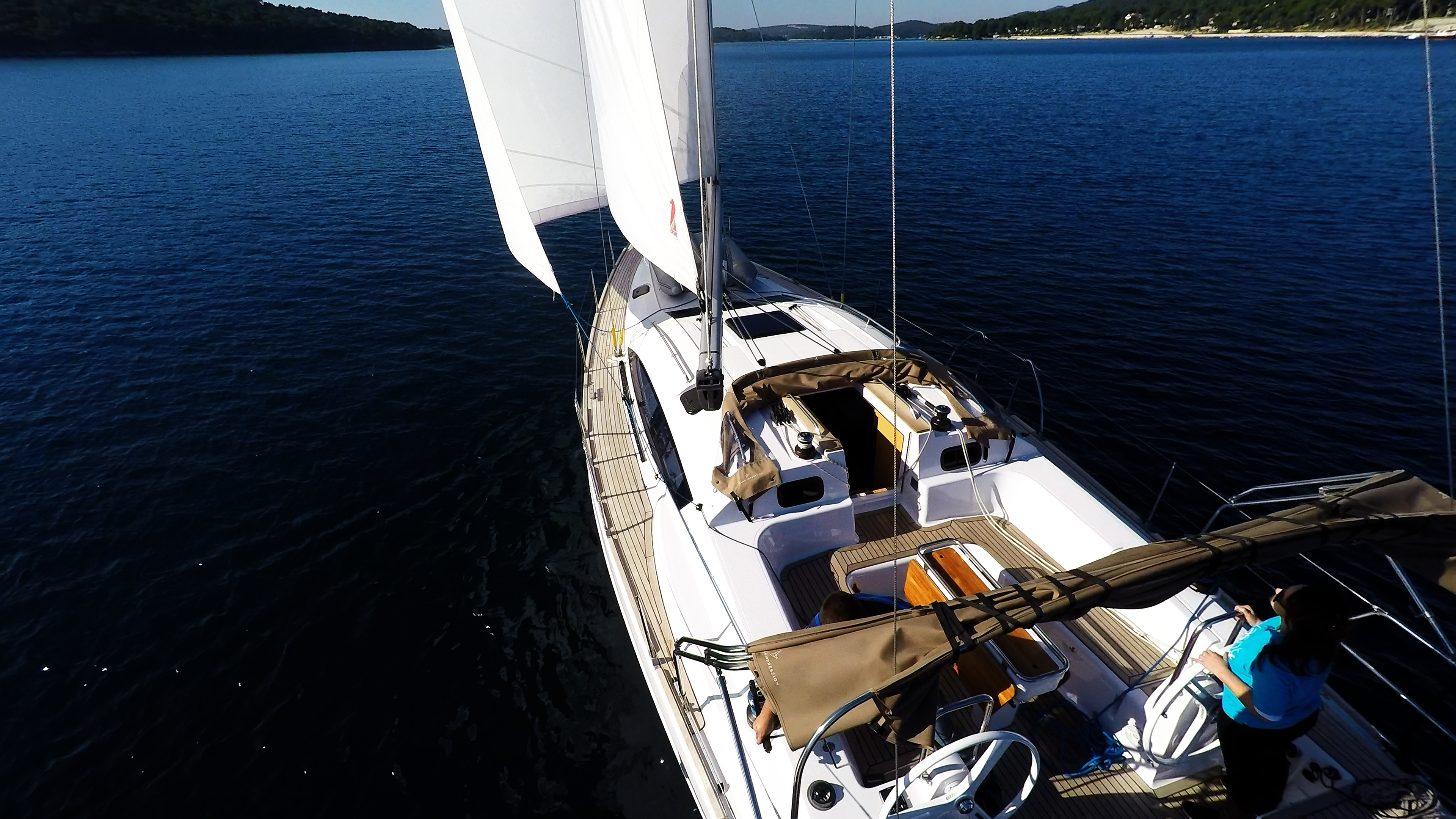 barcha a vela pontein teak vele pozzetto yacht a vela elan 45 impression barca a vela