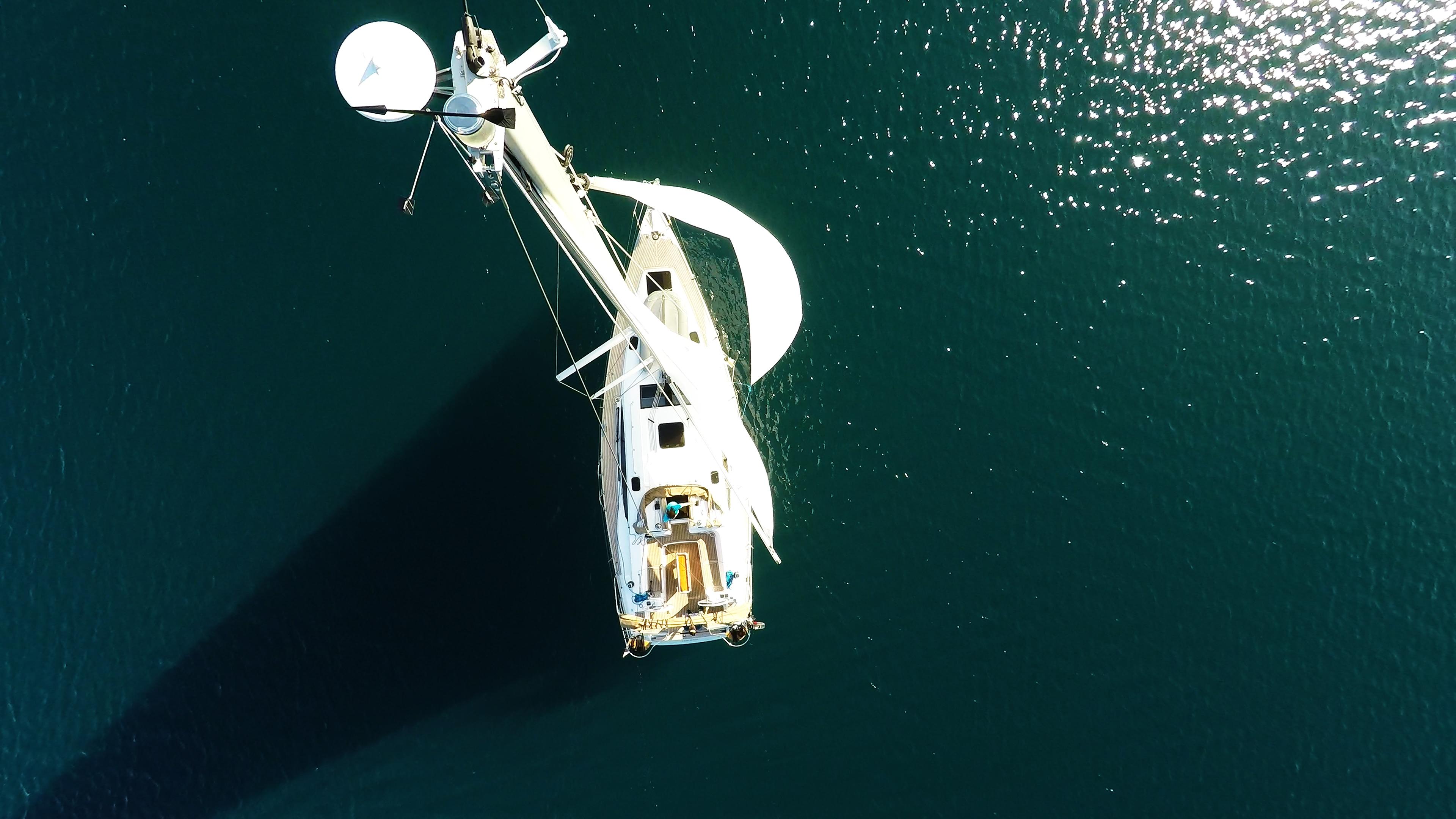 barcha a vela cima dell'albero radar yacht a vela elan 45 impression vele barca a vela