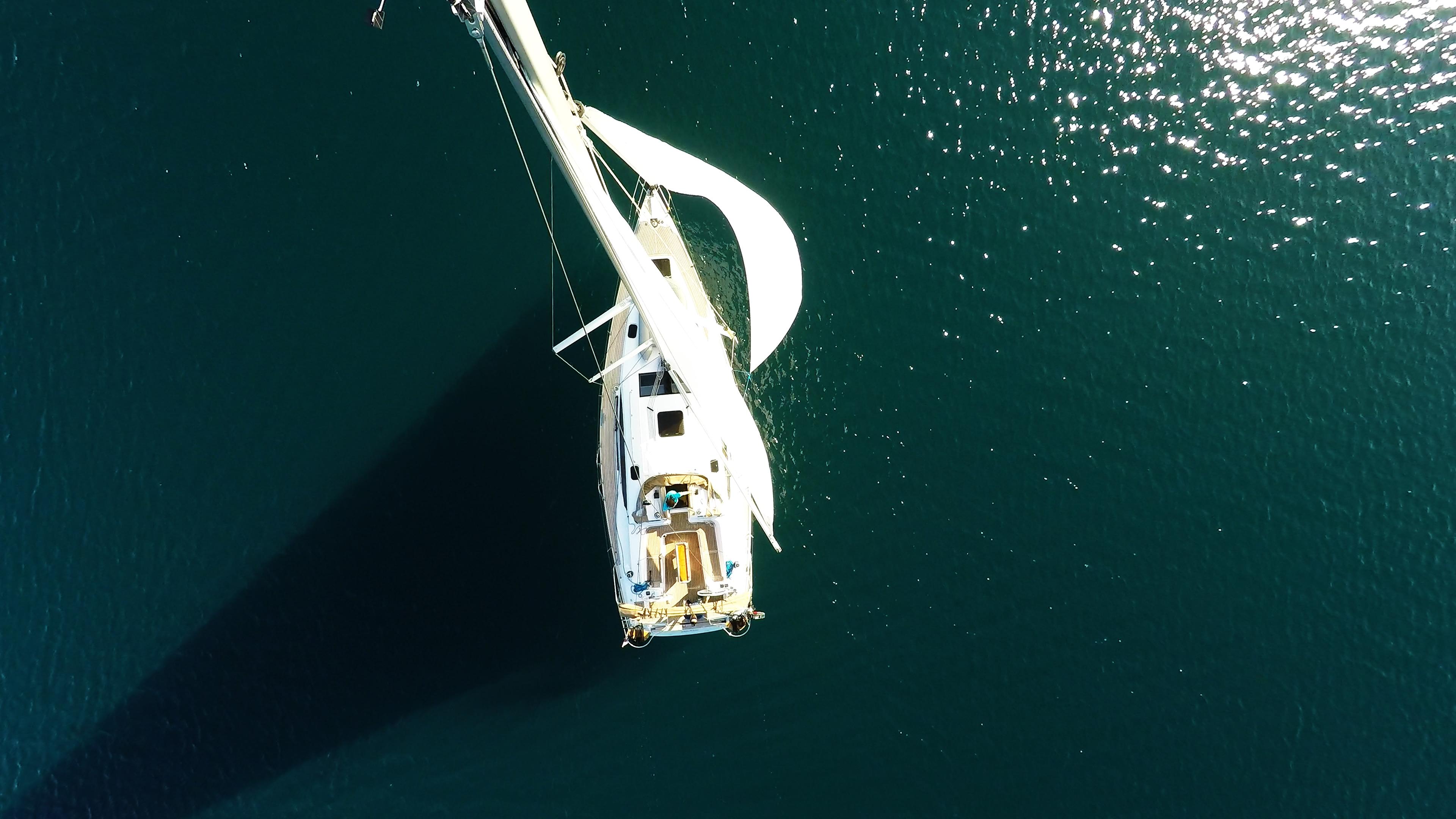 barcha a vela cima dell'albero yacht a vela elan 45 impression vele