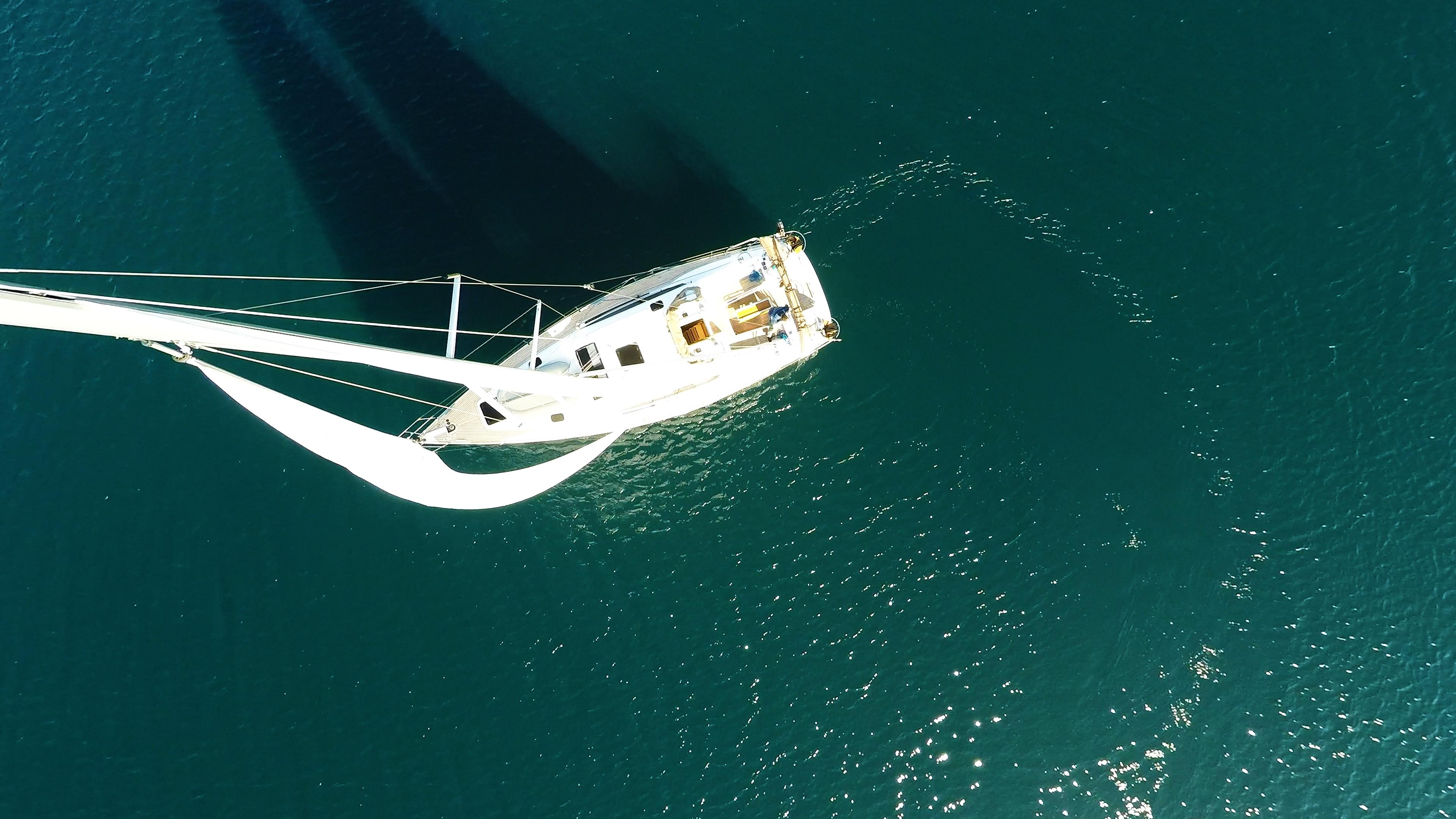 barcha a vela vista dall'albero vela vele barca a vela yacht a vela barca