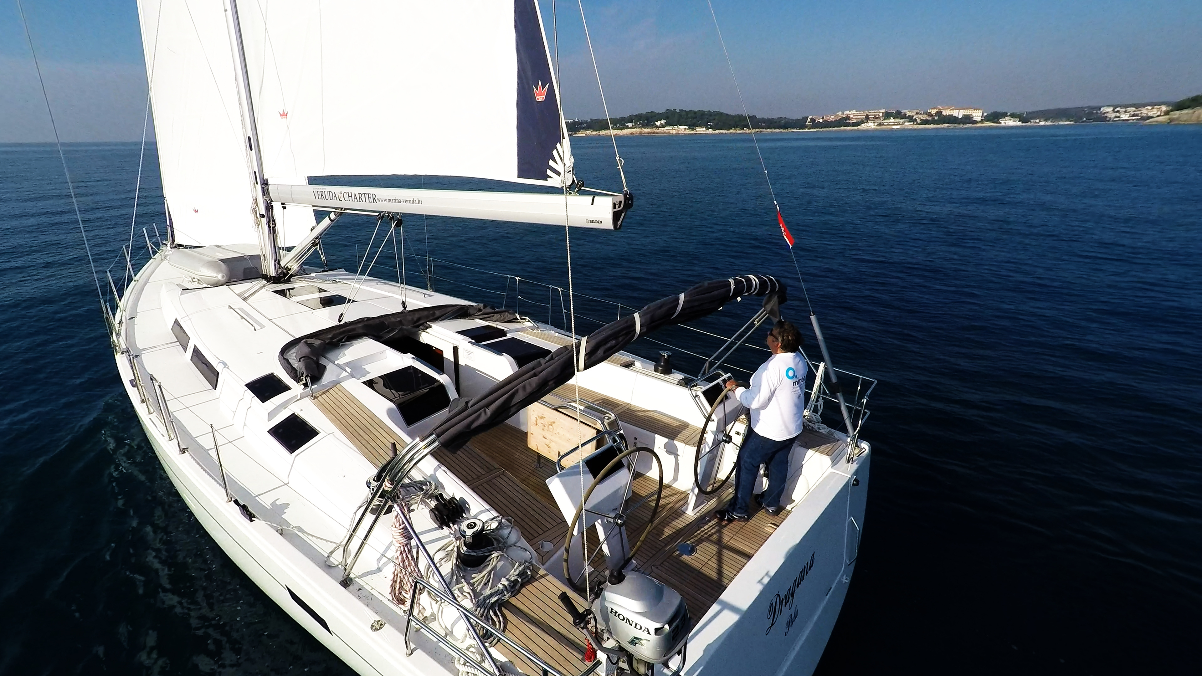 barcha a vela ponte pozzetto yacht a vela Hanse 505 timoni ruota