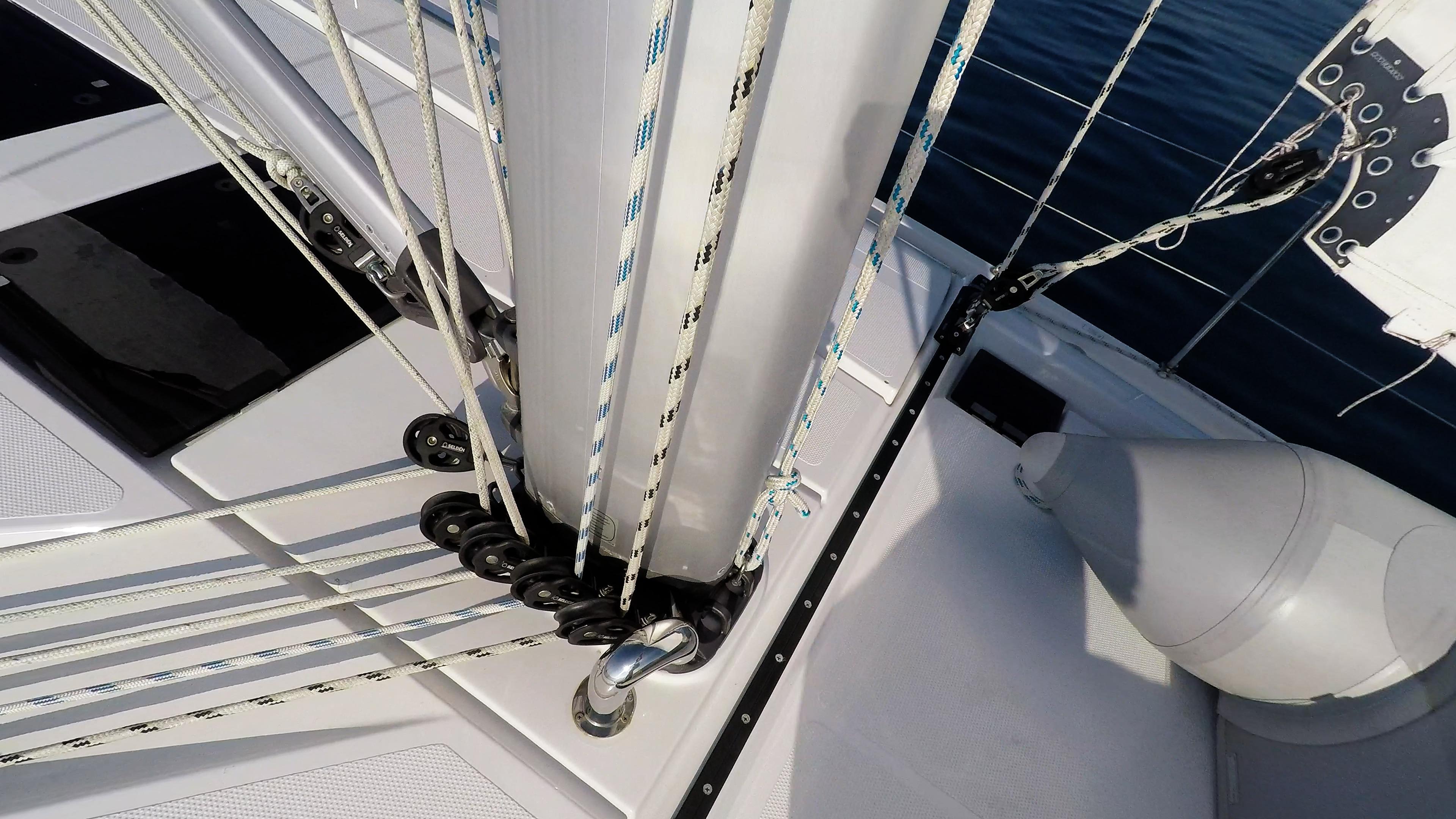 barcha a vela ponte corde corde sartiame albero barca a vela veleggiare vele