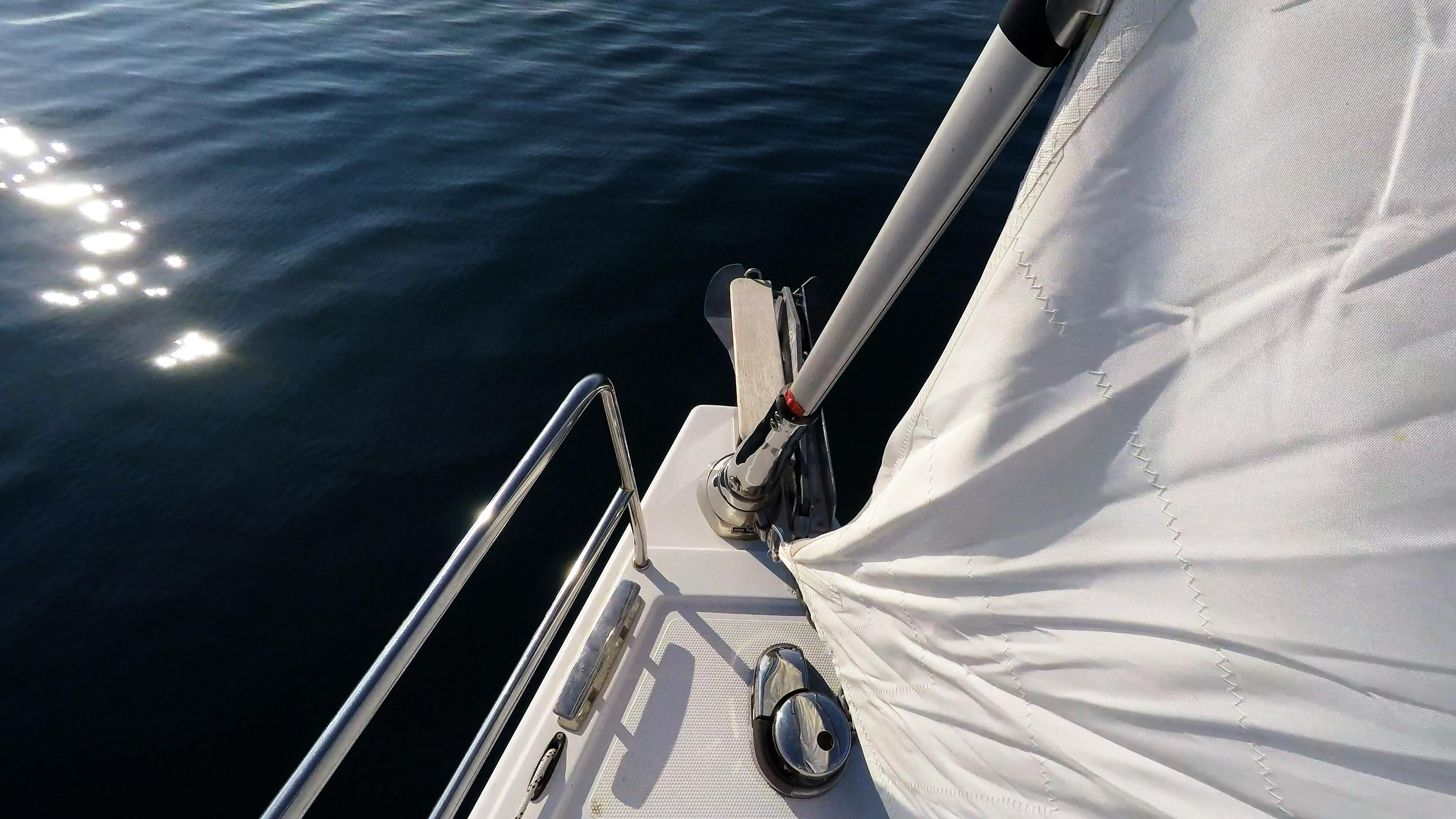 barcha a vela salpa ancora elettrico barca a vela vele genova avvolgibile prua mare sole