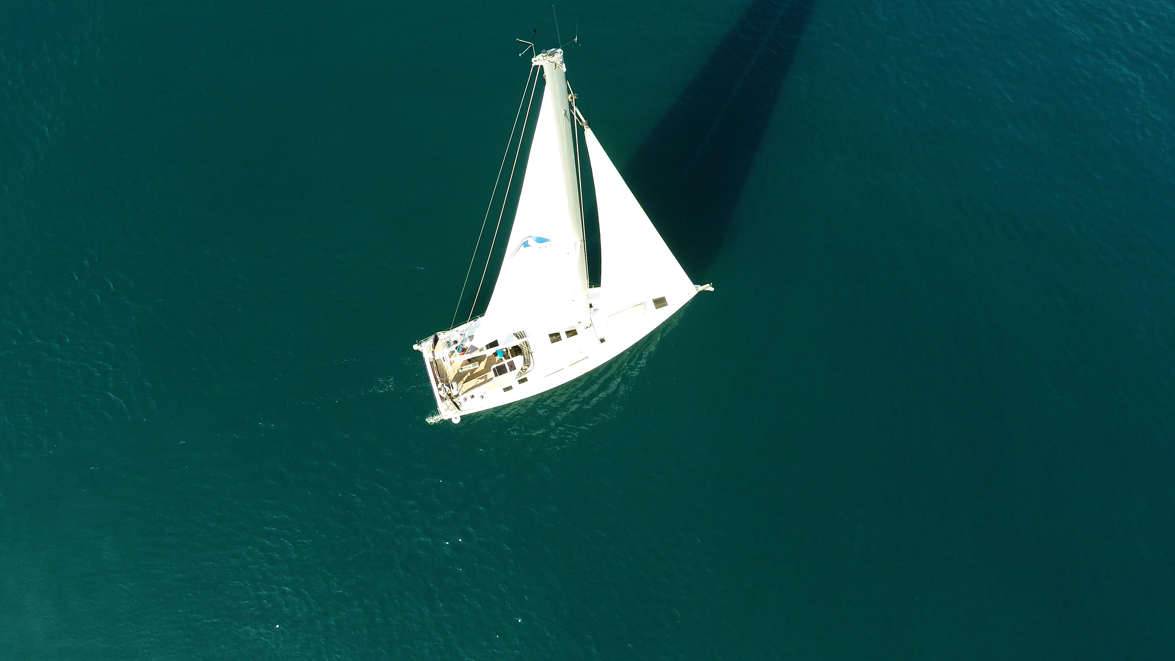 barcha a vela Hanse 505 yacht a vela barca veleggiare al mare ponte genova