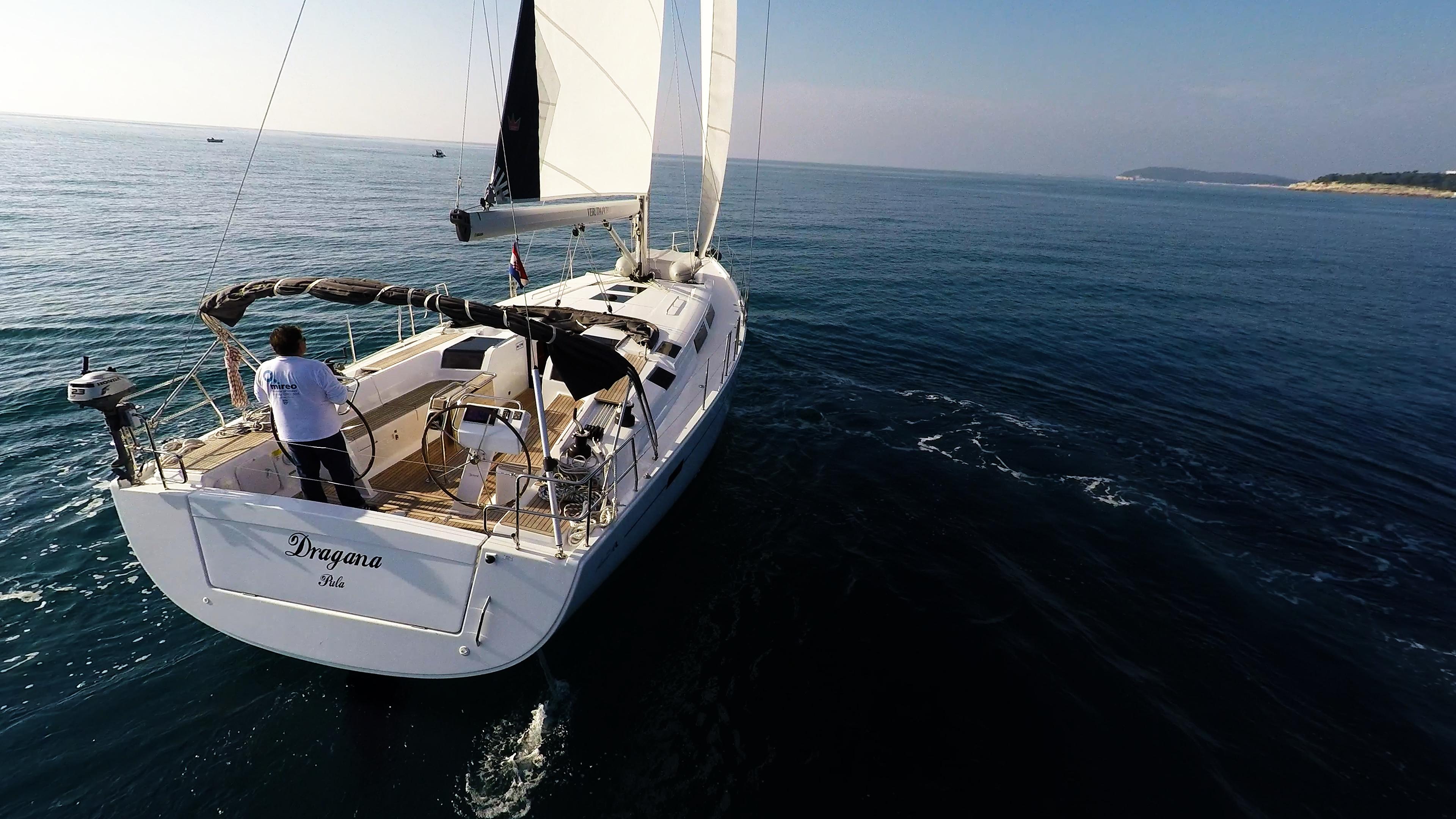 barcha a vela Hanse 505 yacht a vela poppa poppa pozzetto timoni ruota vele