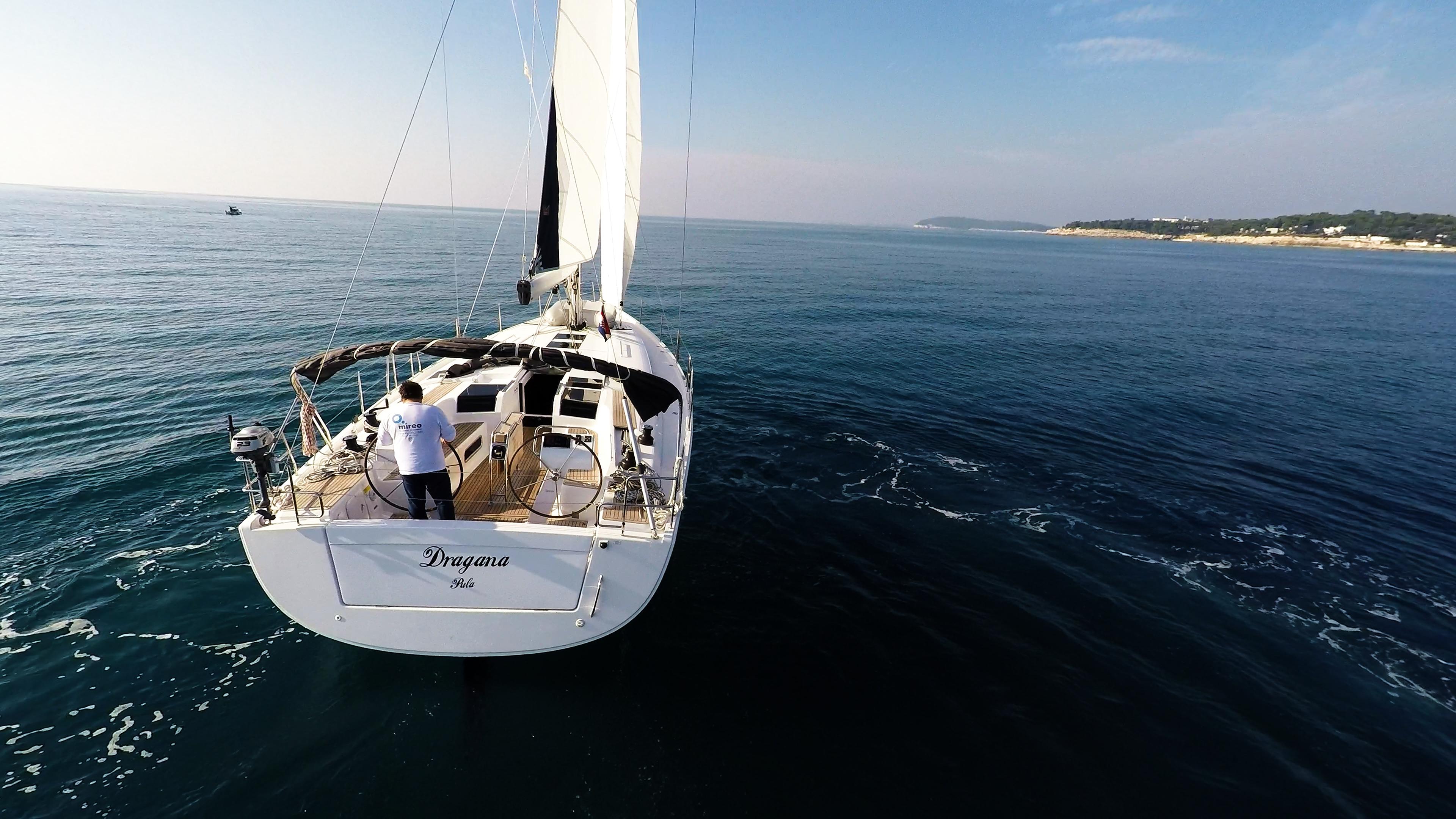 barcha a vela Hanse 505 yacht a vela poppa timoni ruota