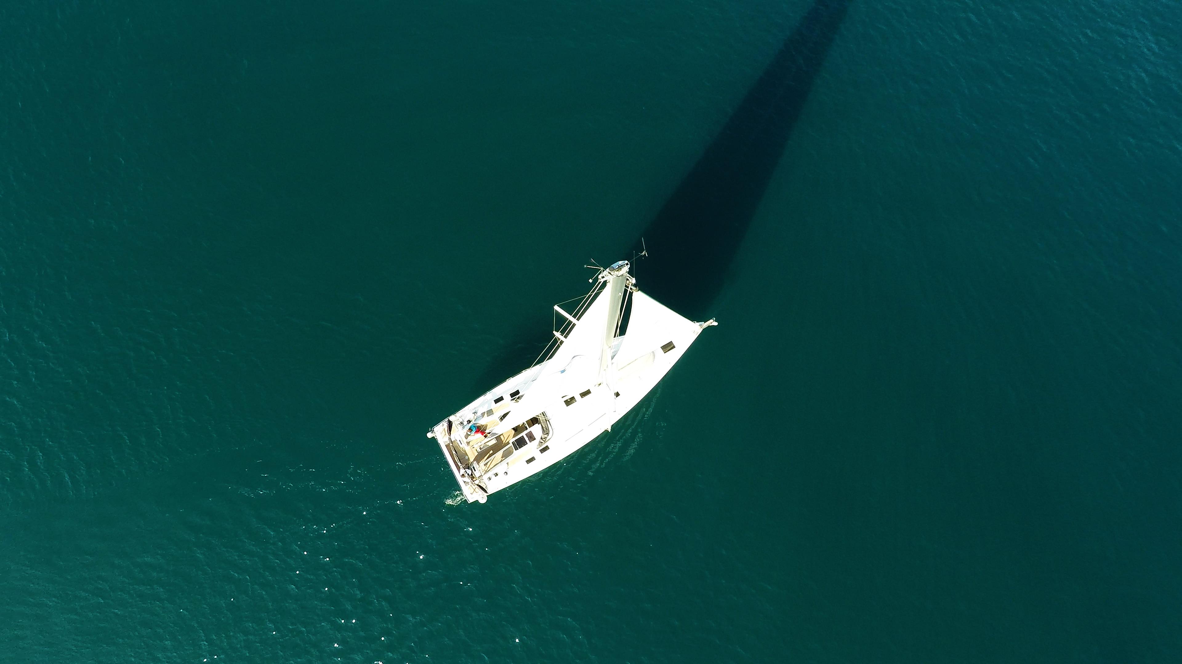 barcha a vela barca a vela dalla verticalee sopra Hanse 505