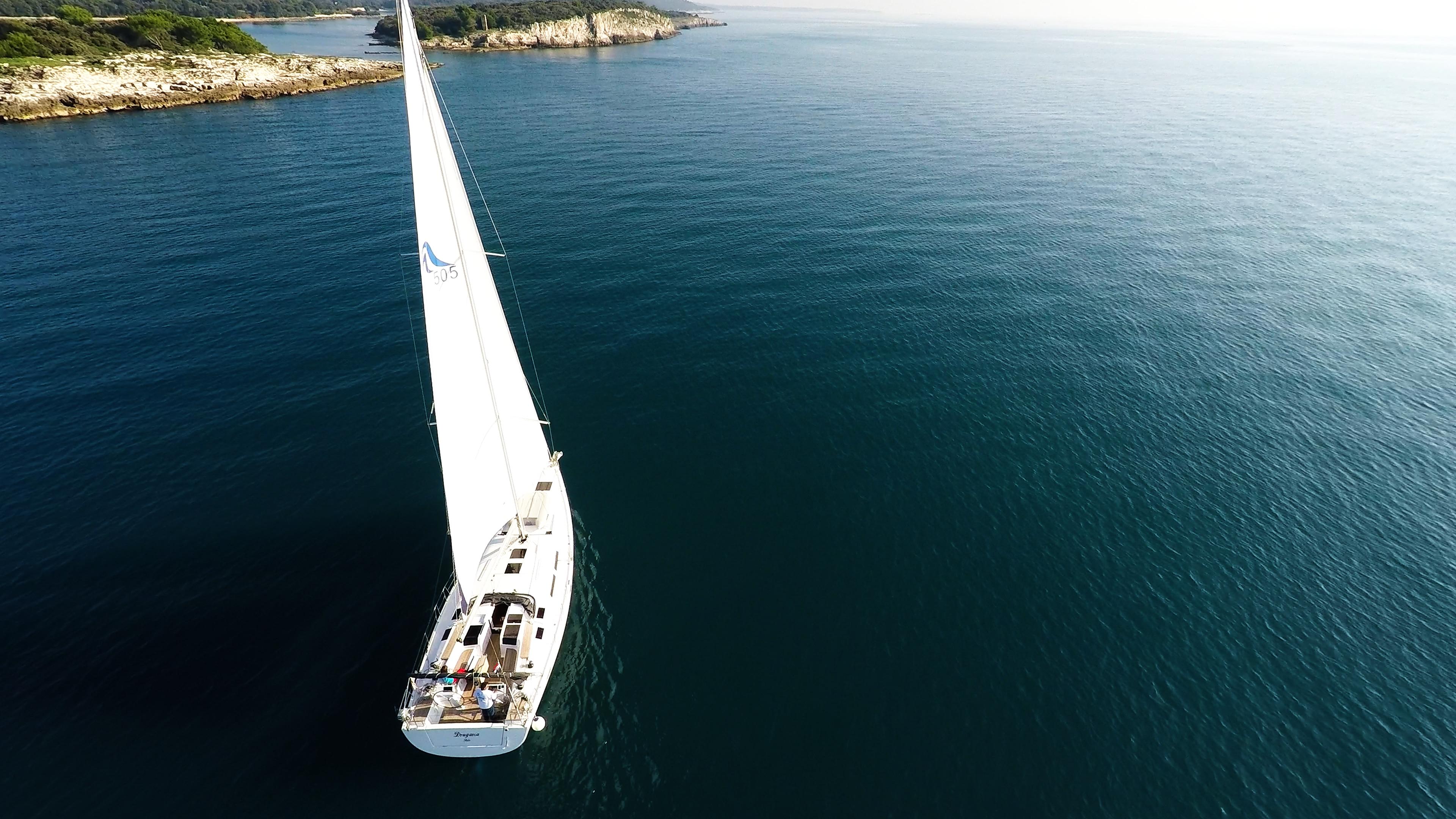 barcha a vela barca a vela veleggiare mare blu isole ponte pozzetto vele