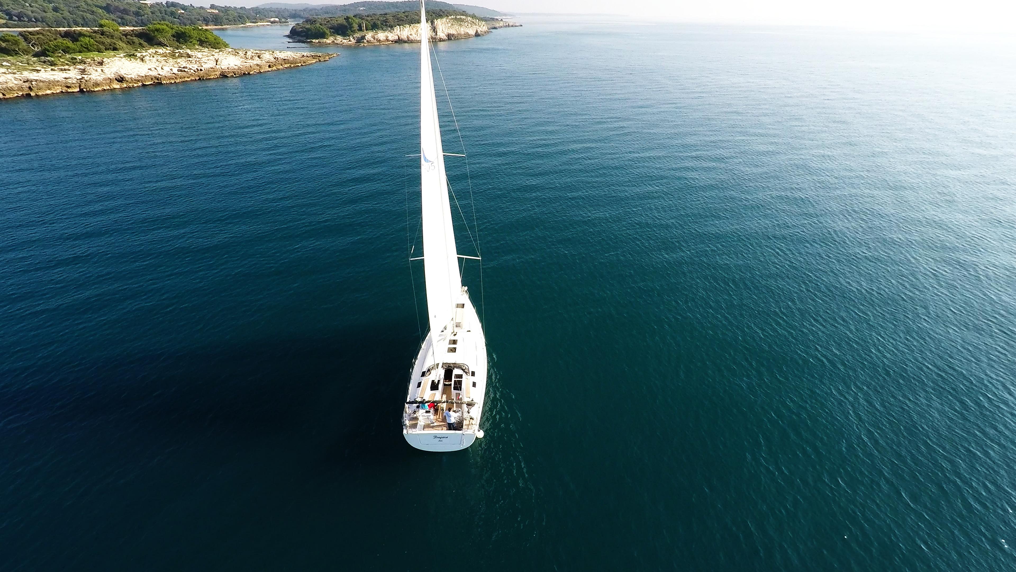 barcha a vela barca a vela veleggiare mare blu isole