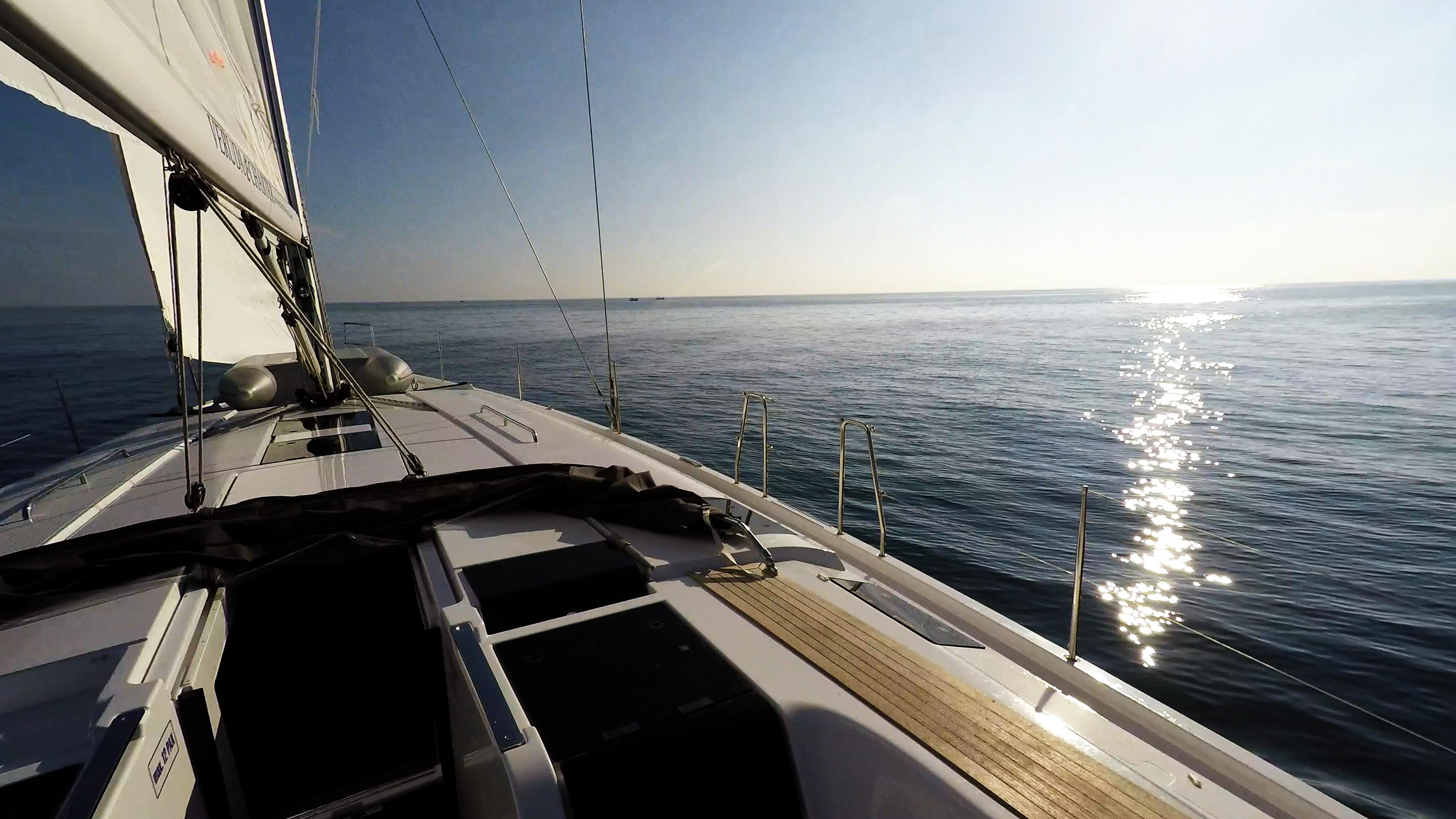 barcha a vela barca a vela veleggiare ponte sole mare blu Hanse 505