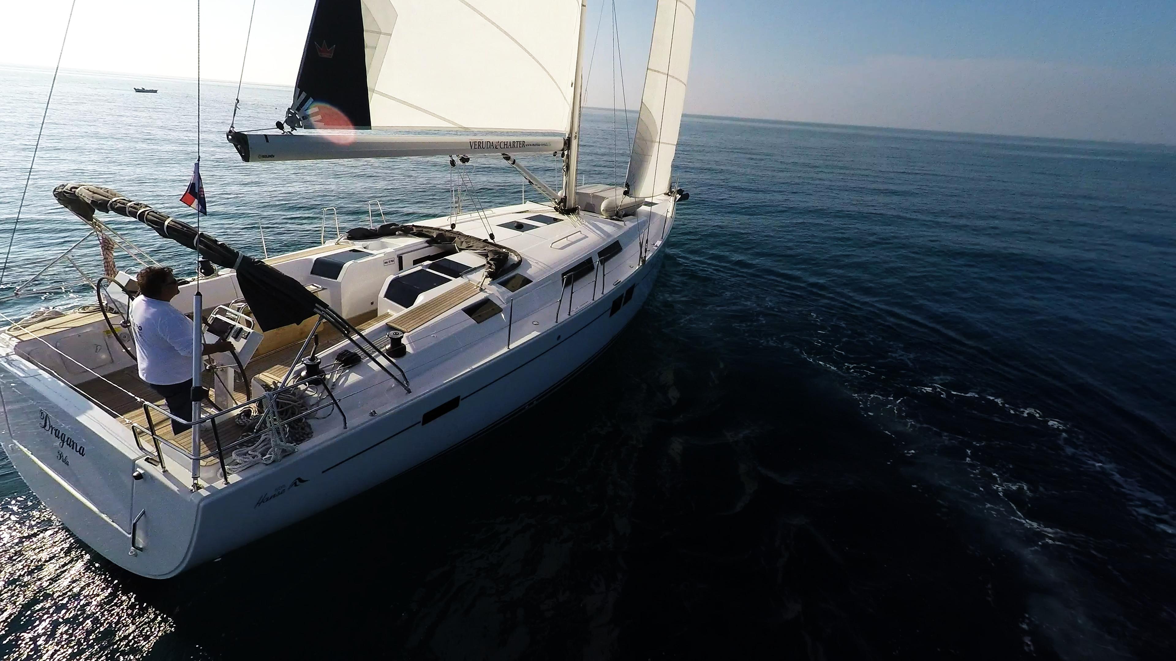 barcha a vela barca a vela yacht a vela Hanse 505 ponte pozzetto vele