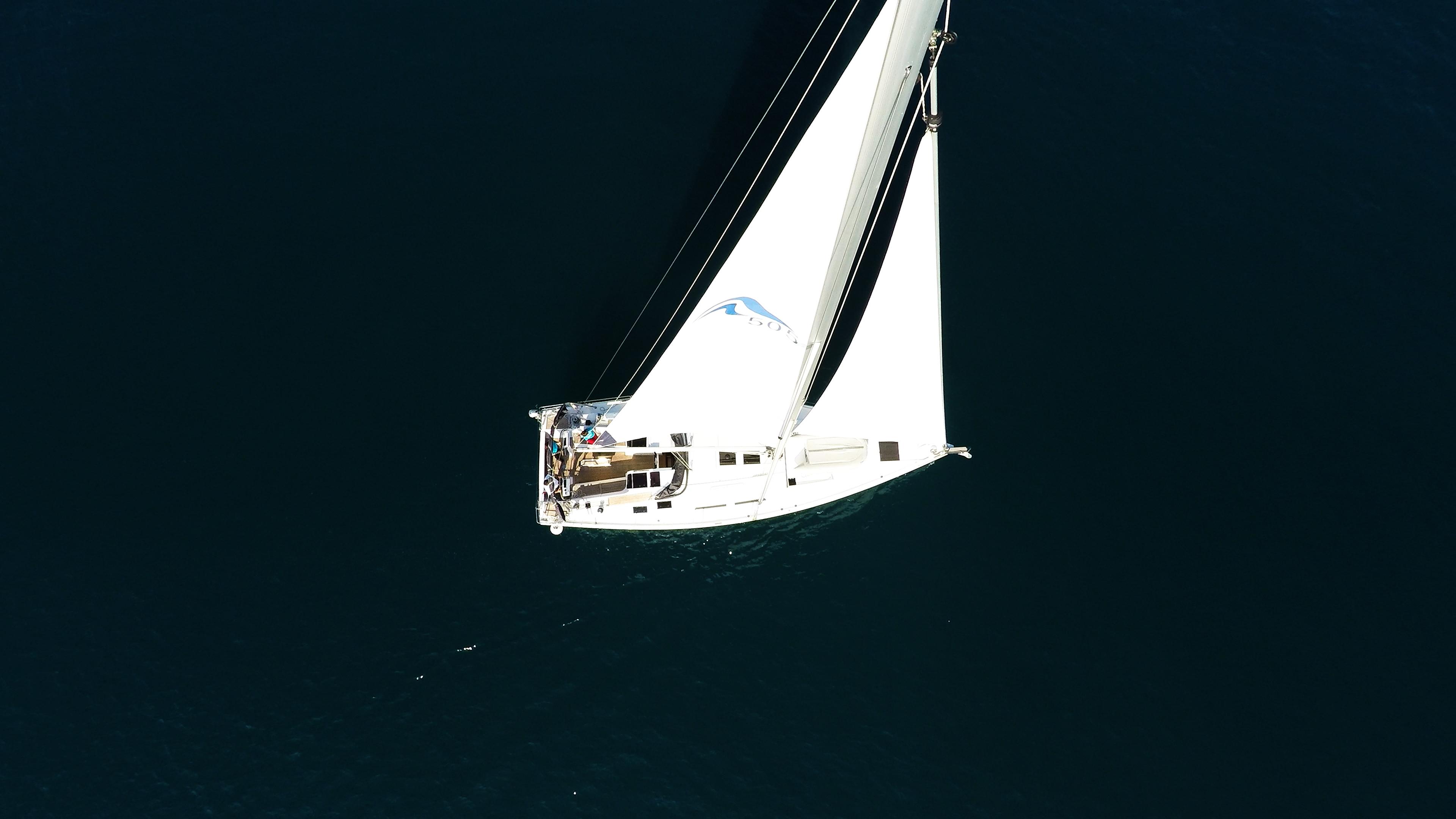 barcha a vela yacht a vela aereo Hanse 505 vele