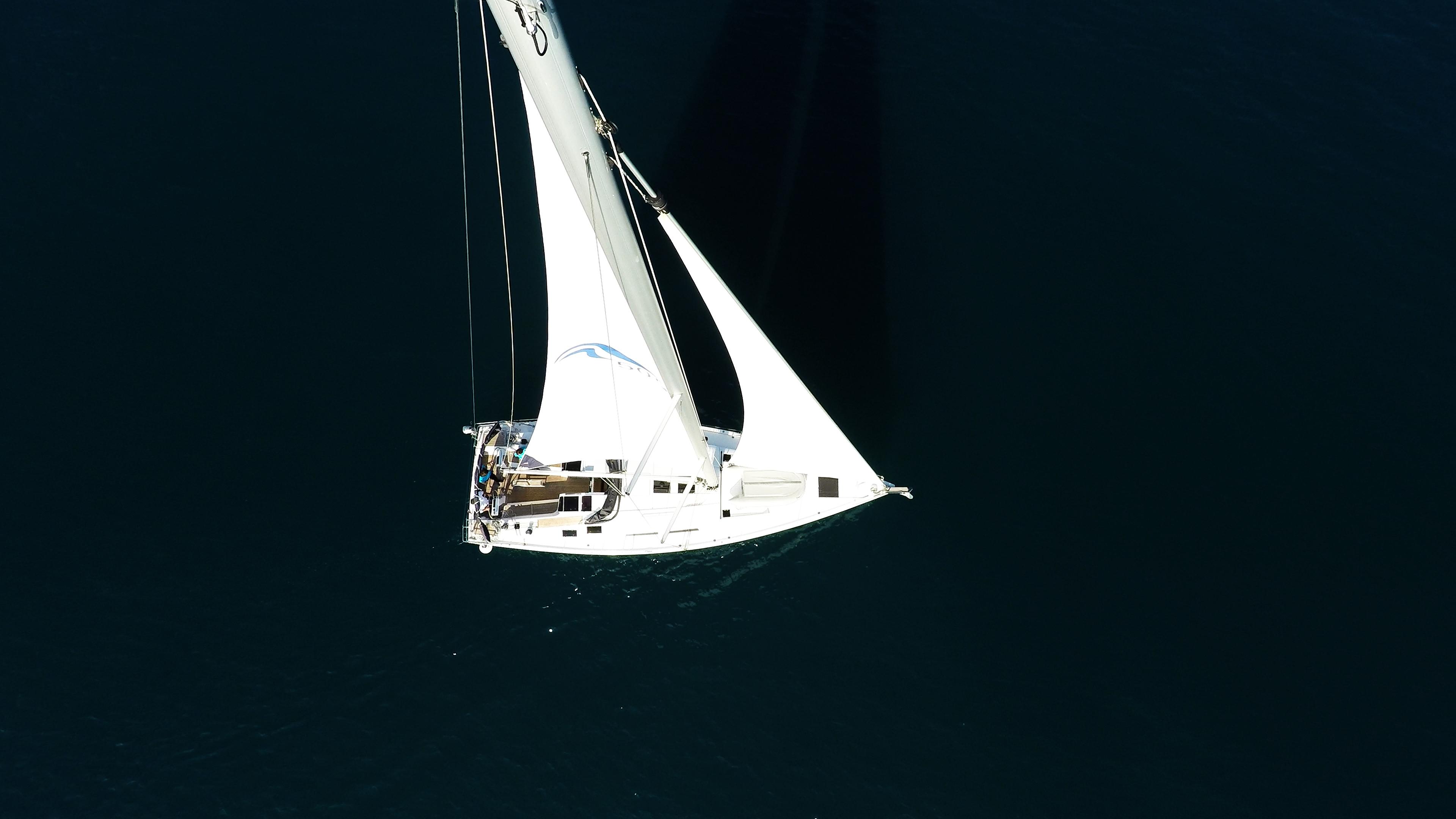 barcha a vela yacht a vela dalla verticalee sopra vele ponte mare barca