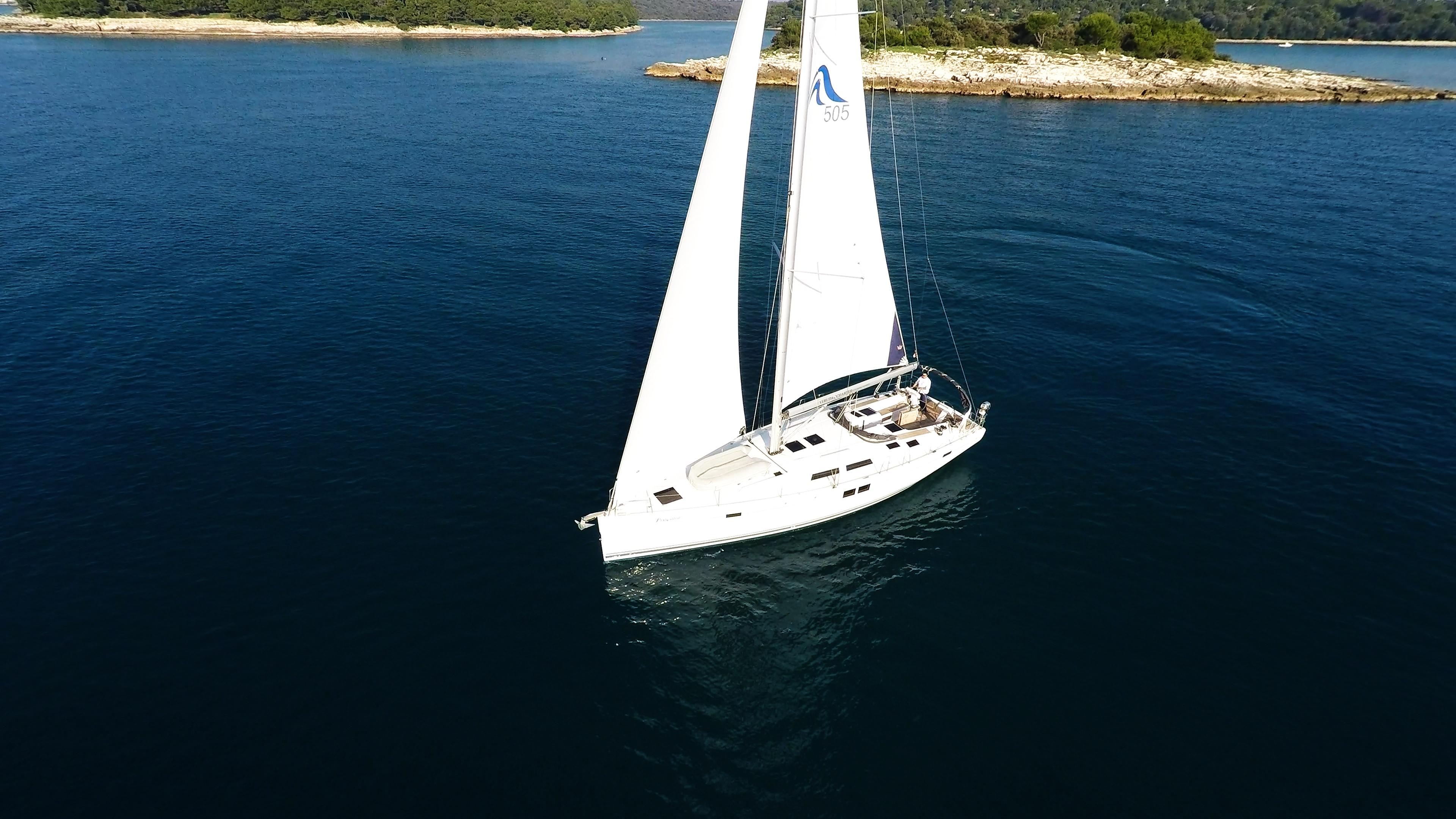 barcha a vela yacht a vela Hanse 505 da sopra