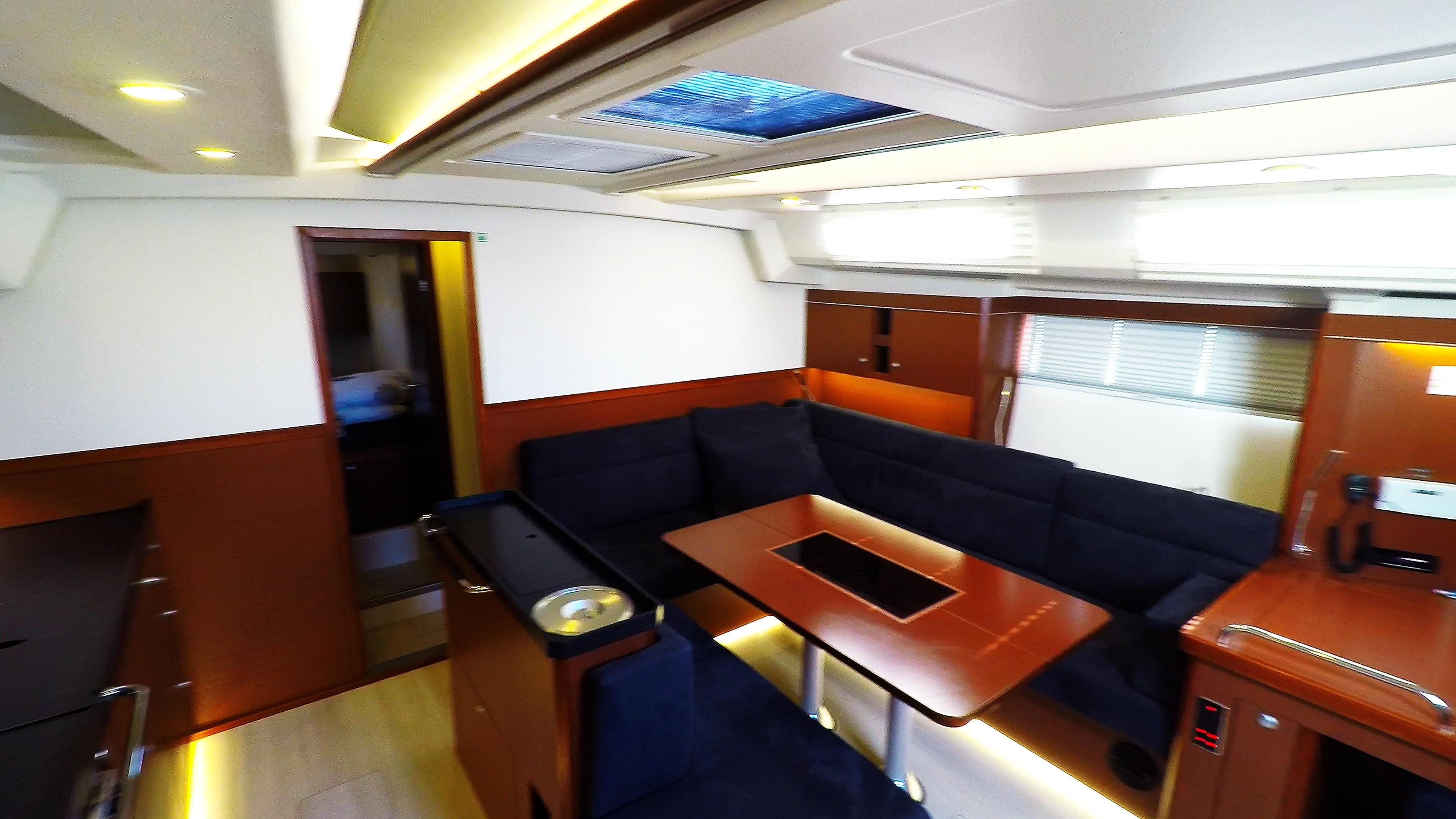 barcha a vela yacht a vela Hanse 505 salonee interno salonee