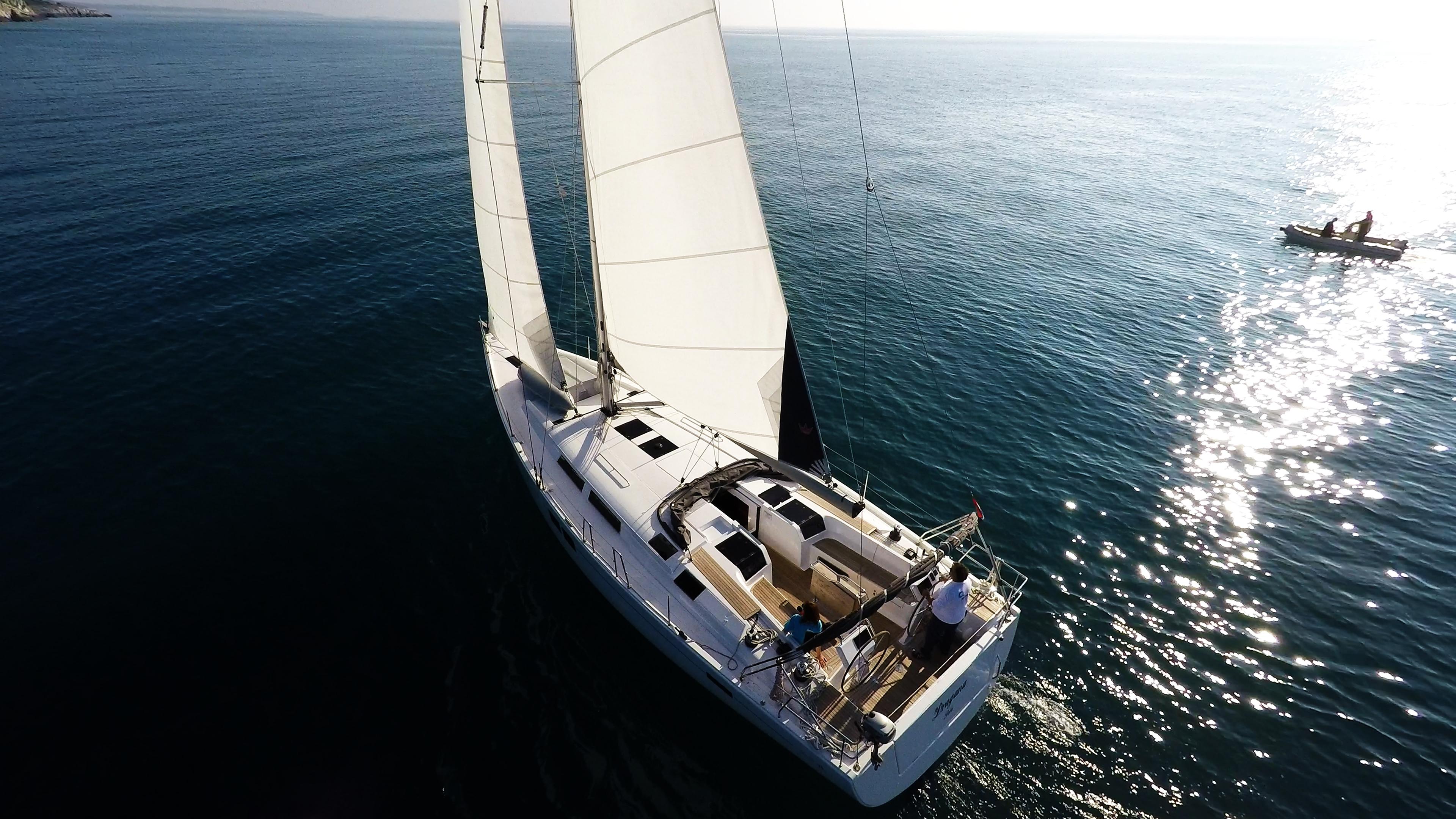 barcha a vela yacht a vela Hanse 505 sotto le vele