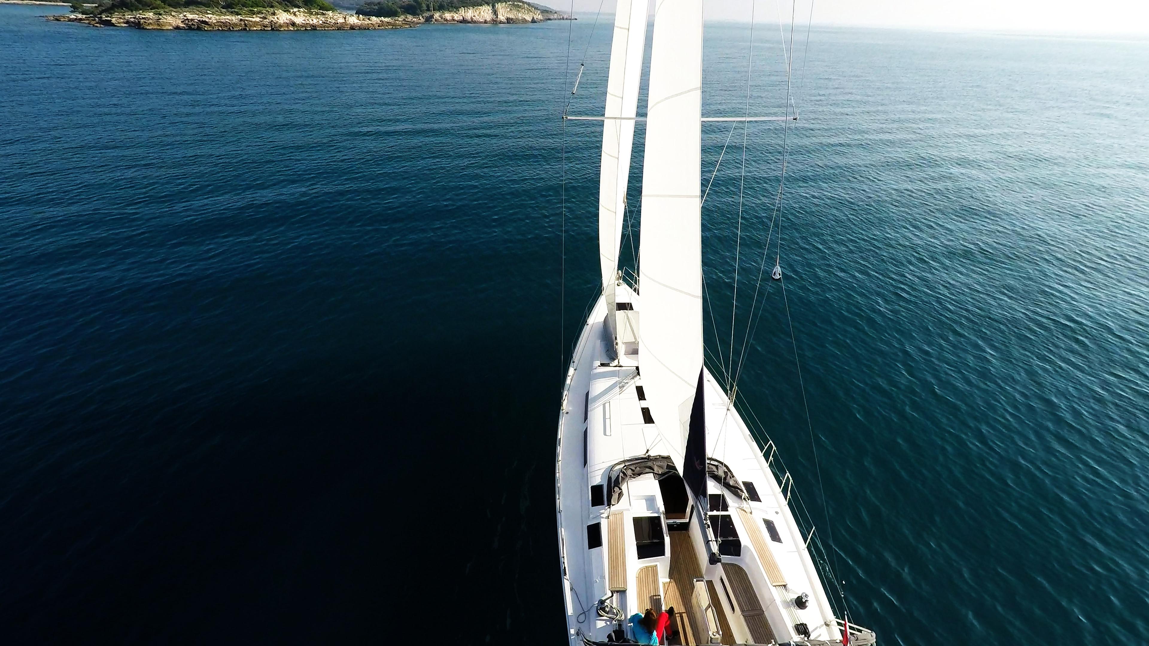 barcha a vela yacht a vela verso mare blu isola barca a vela
