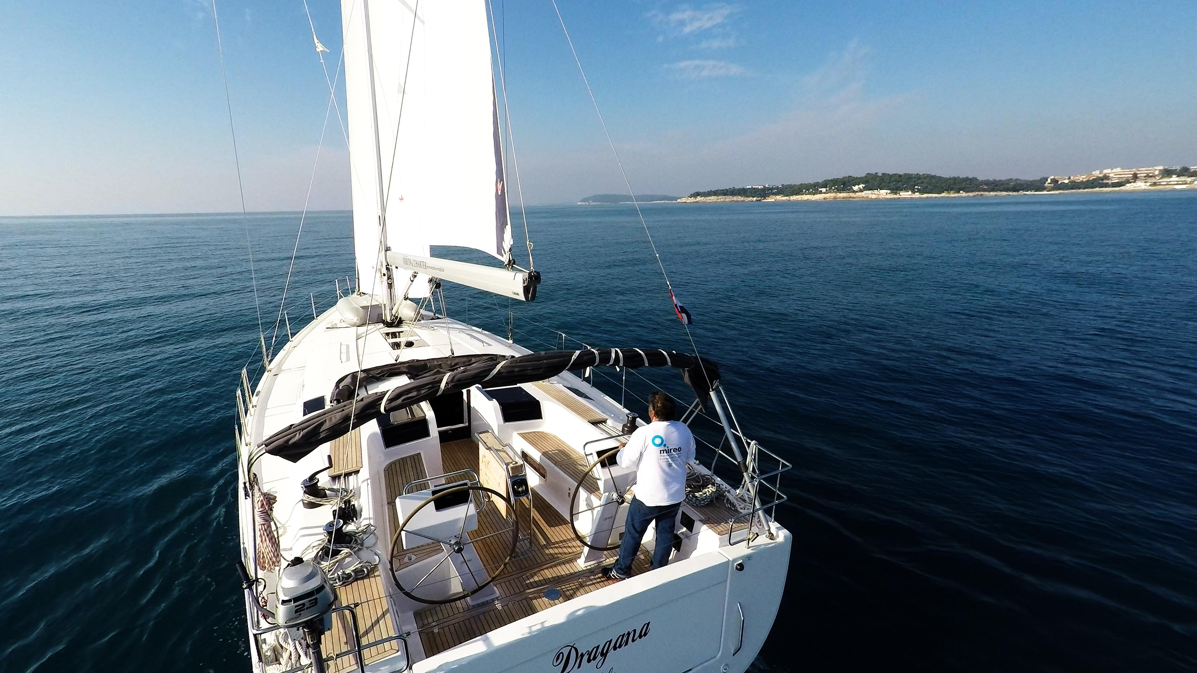 barcha a vela poppa poppa pozzetto yacht a vela Hanse 505 timoni ruota